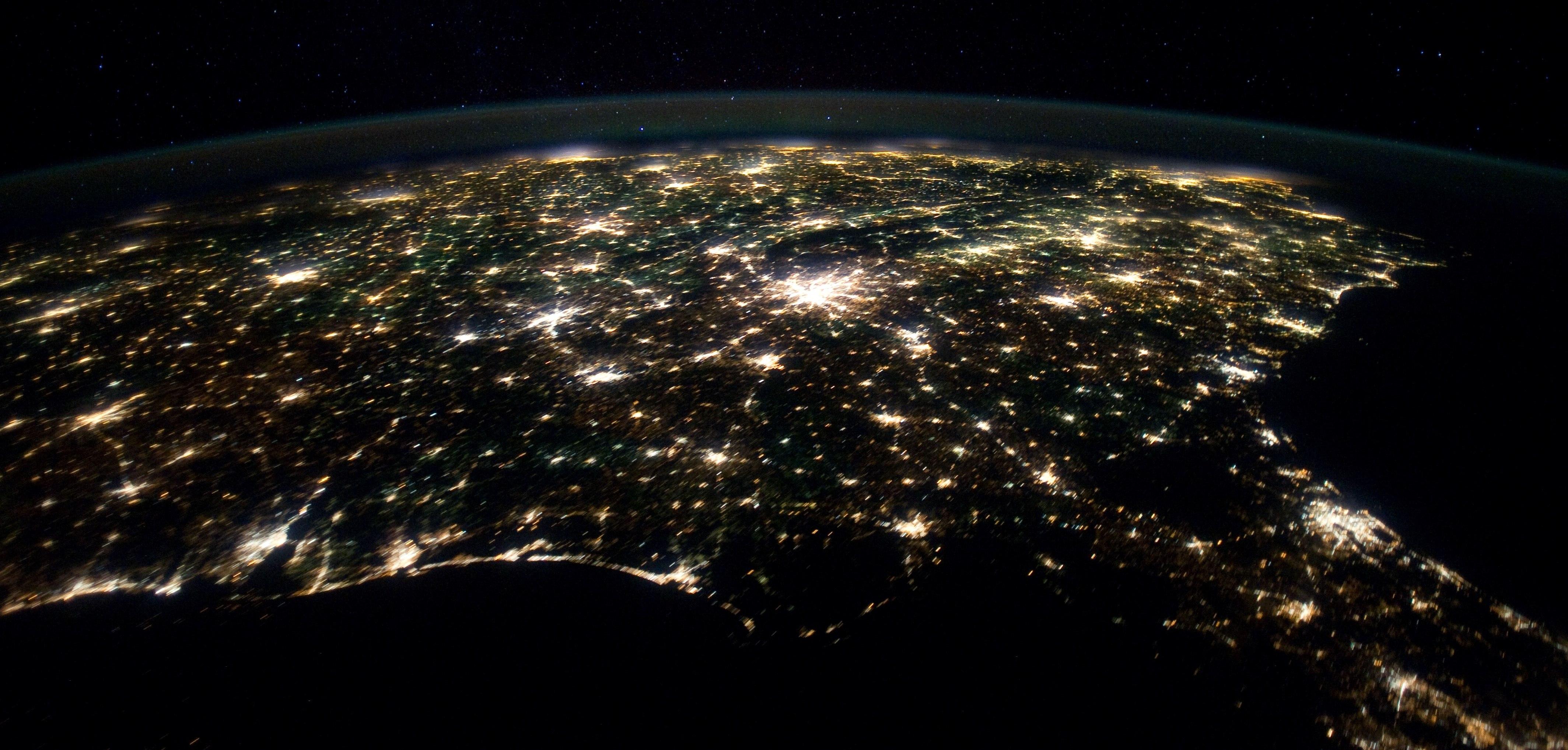 Earthrise NASA - Satellite map of se us at night