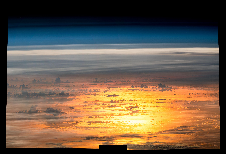 Resultado de imagen para soccer while orbiting earth