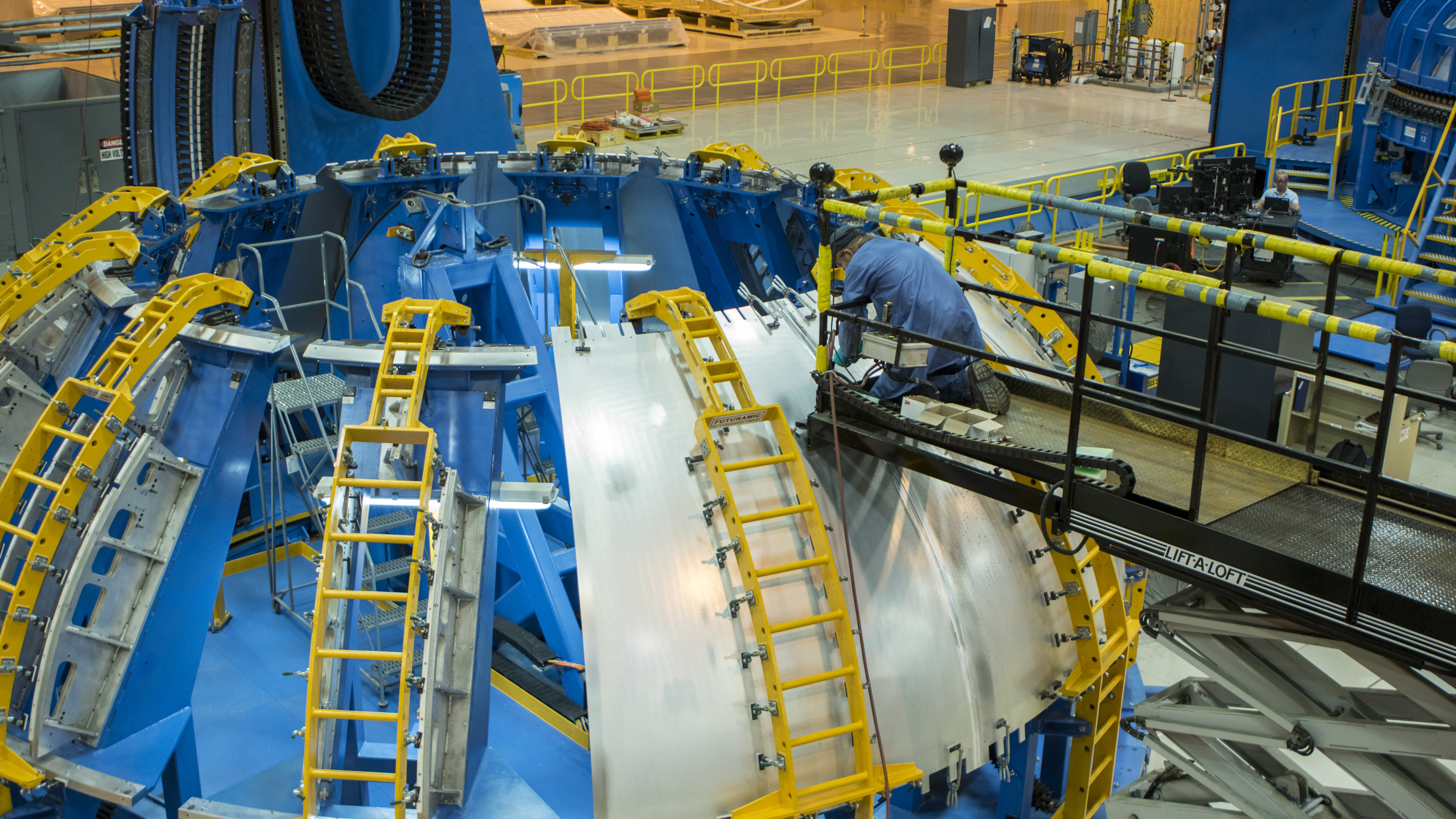 Construction Fueling Up For Sls Core Stage Hydrogen Tank