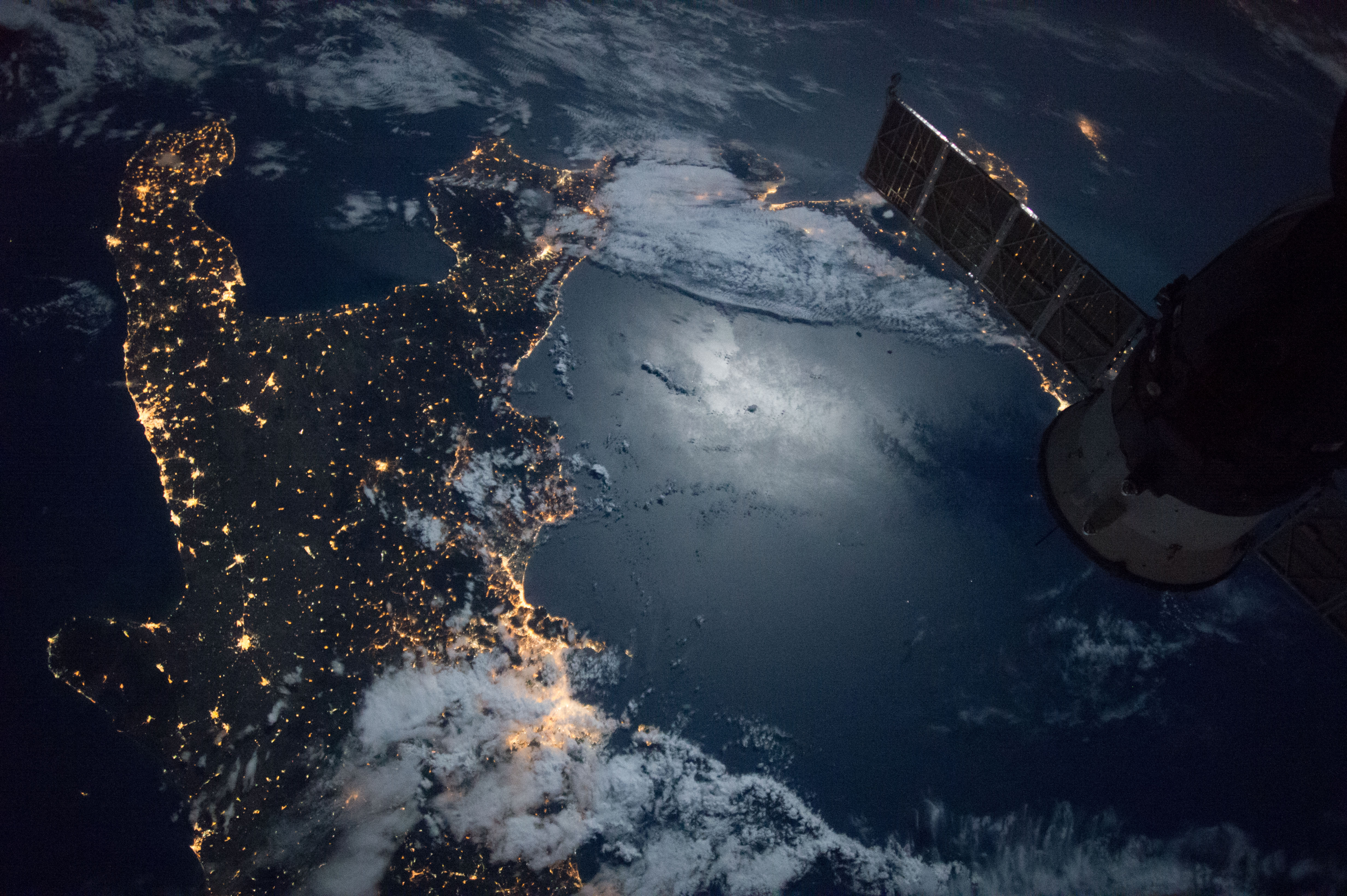 Space Station Flight Over The Southern Tip Of Italy NASA - Space track