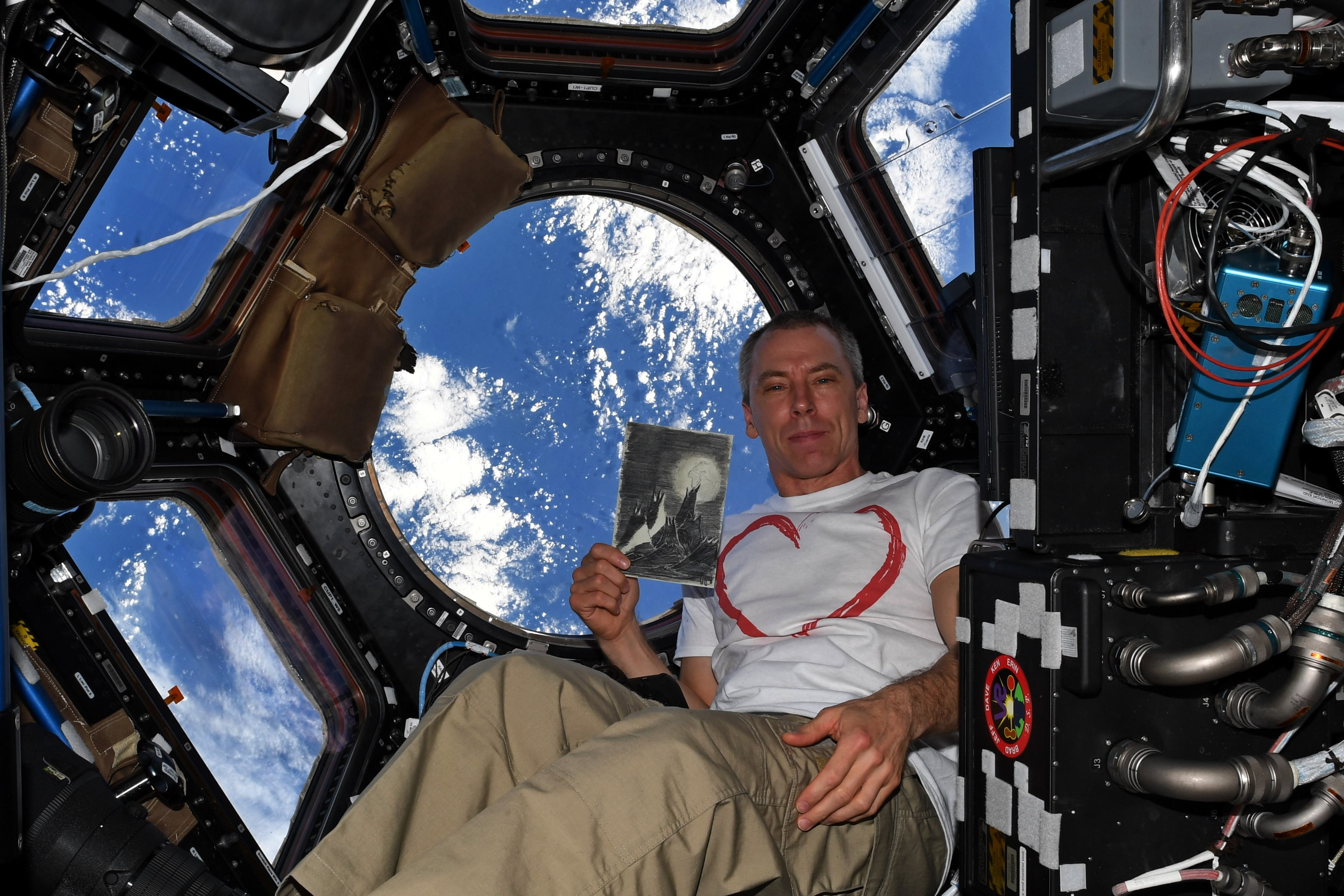 life of astronaut in space station - photo #47