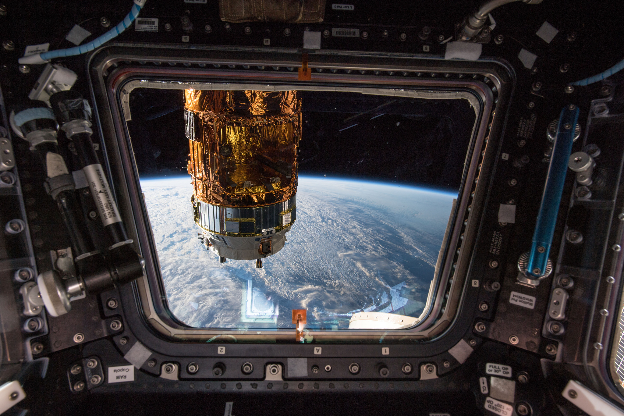 Uncrewed Japanese Vehicle Delivers Supplies to the Space Station