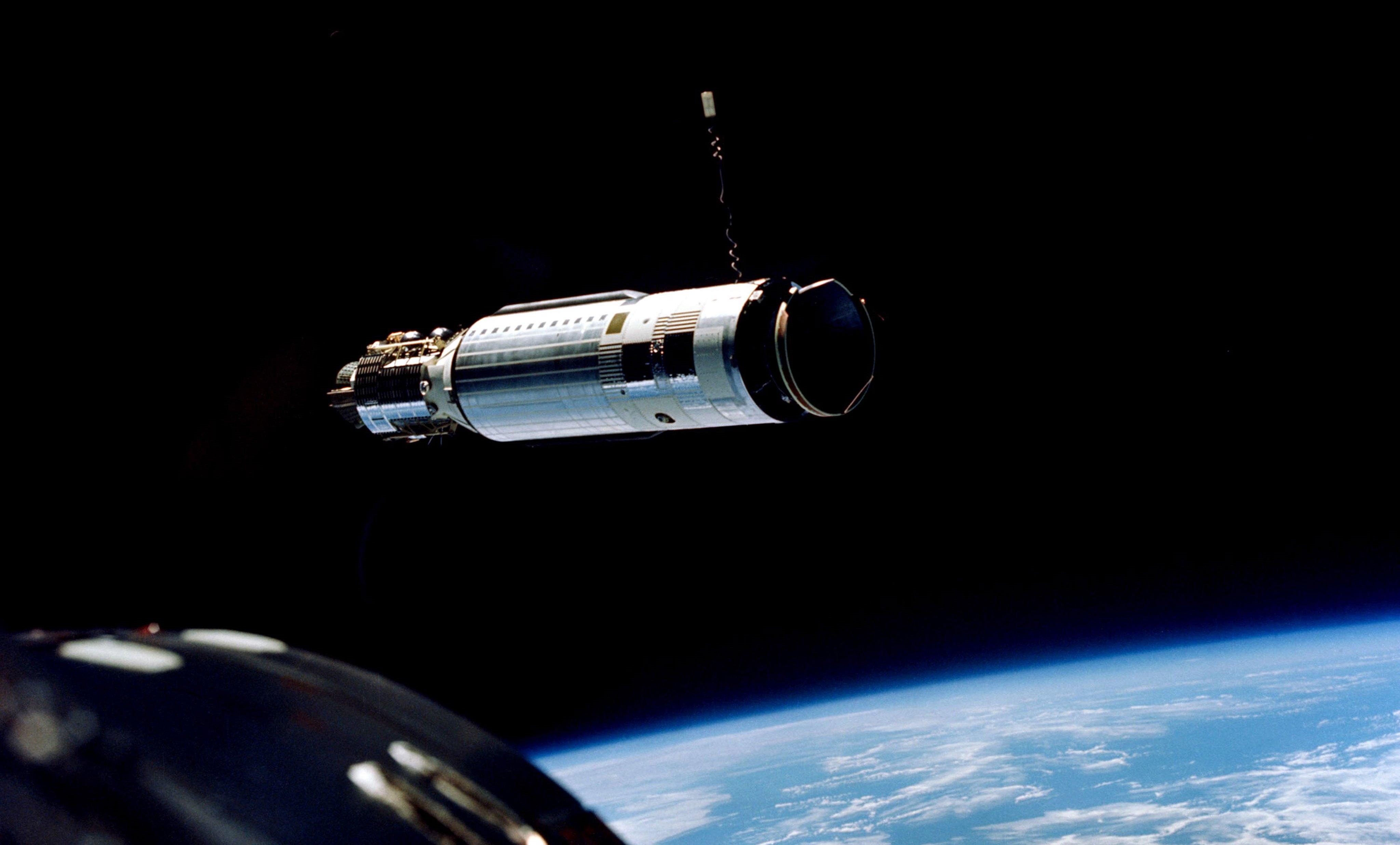 5efc79591a Gemini s First Docking Turns to Wild Ride in Orbit