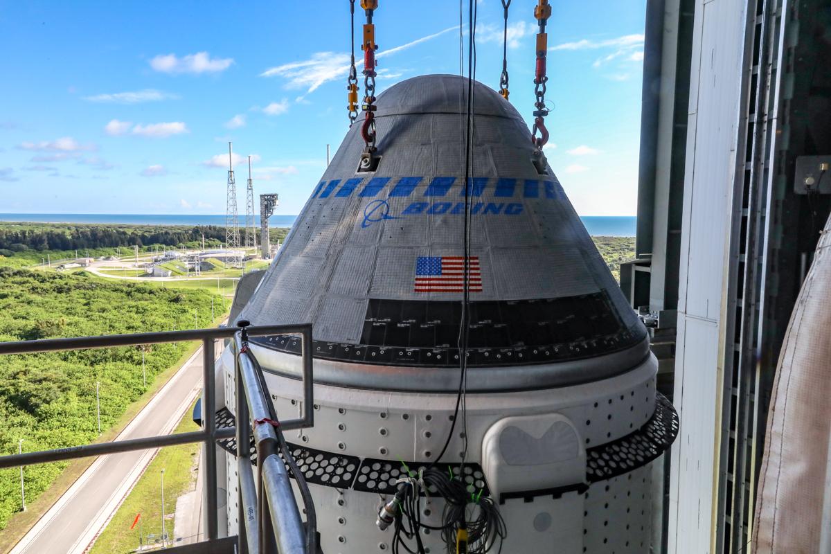 Boeing Starliner Secured Atop Atlas V Rocket