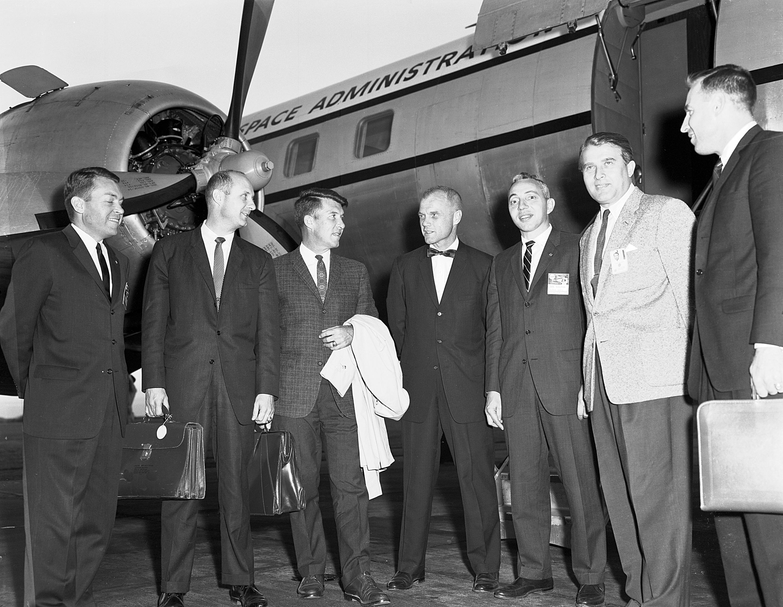 von braun welcomes astronauts to marshall sept 1 1962 nasa. Black Bedroom Furniture Sets. Home Design Ideas