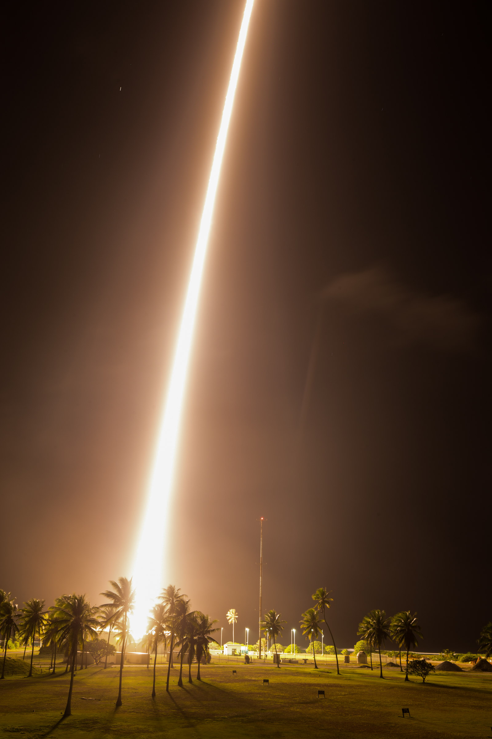 Sounding Rocket Launches CHESS Mission to Study the Matter Between Stars