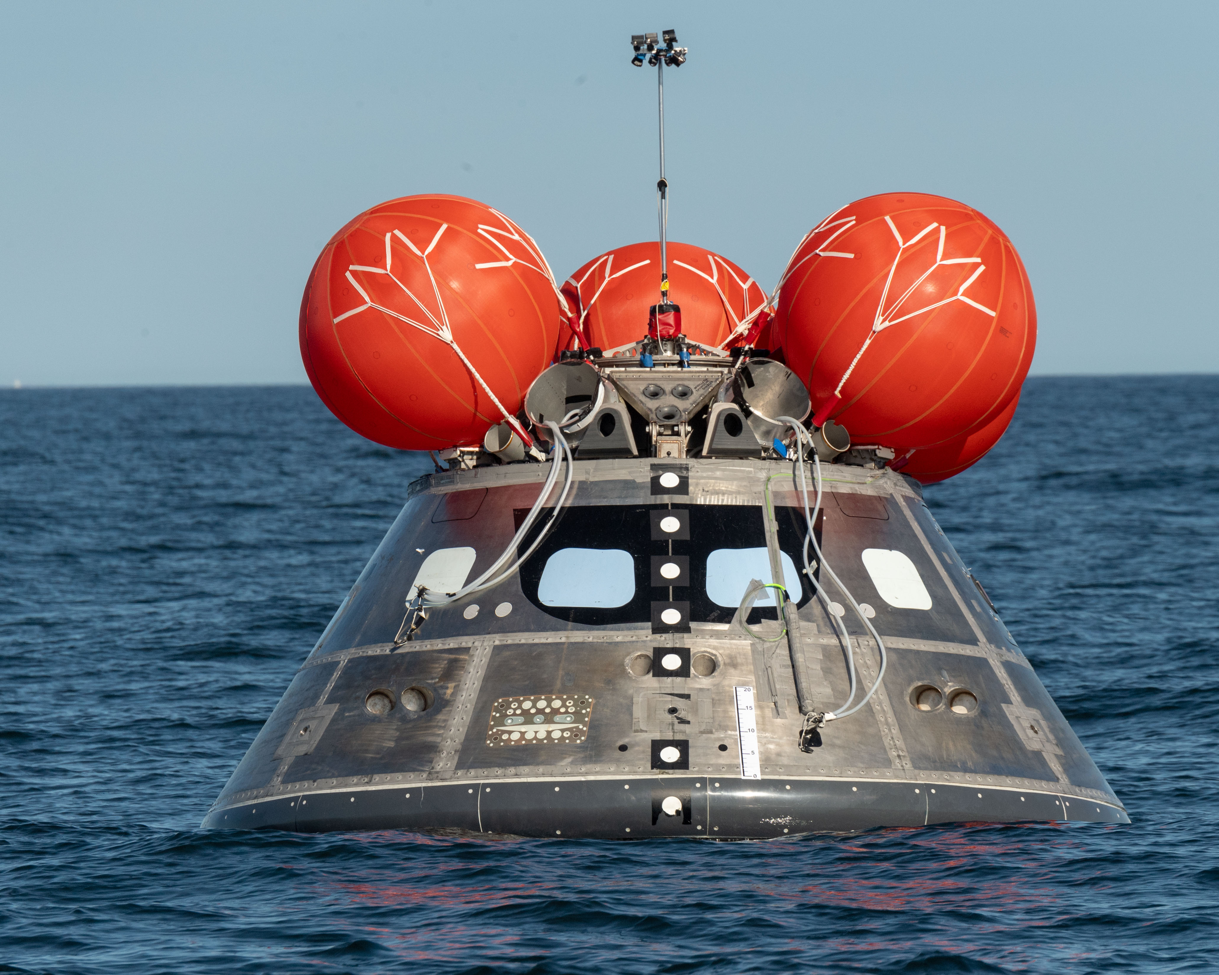 Tests Ensure Orion Spacecraft is Upright After Splashdown