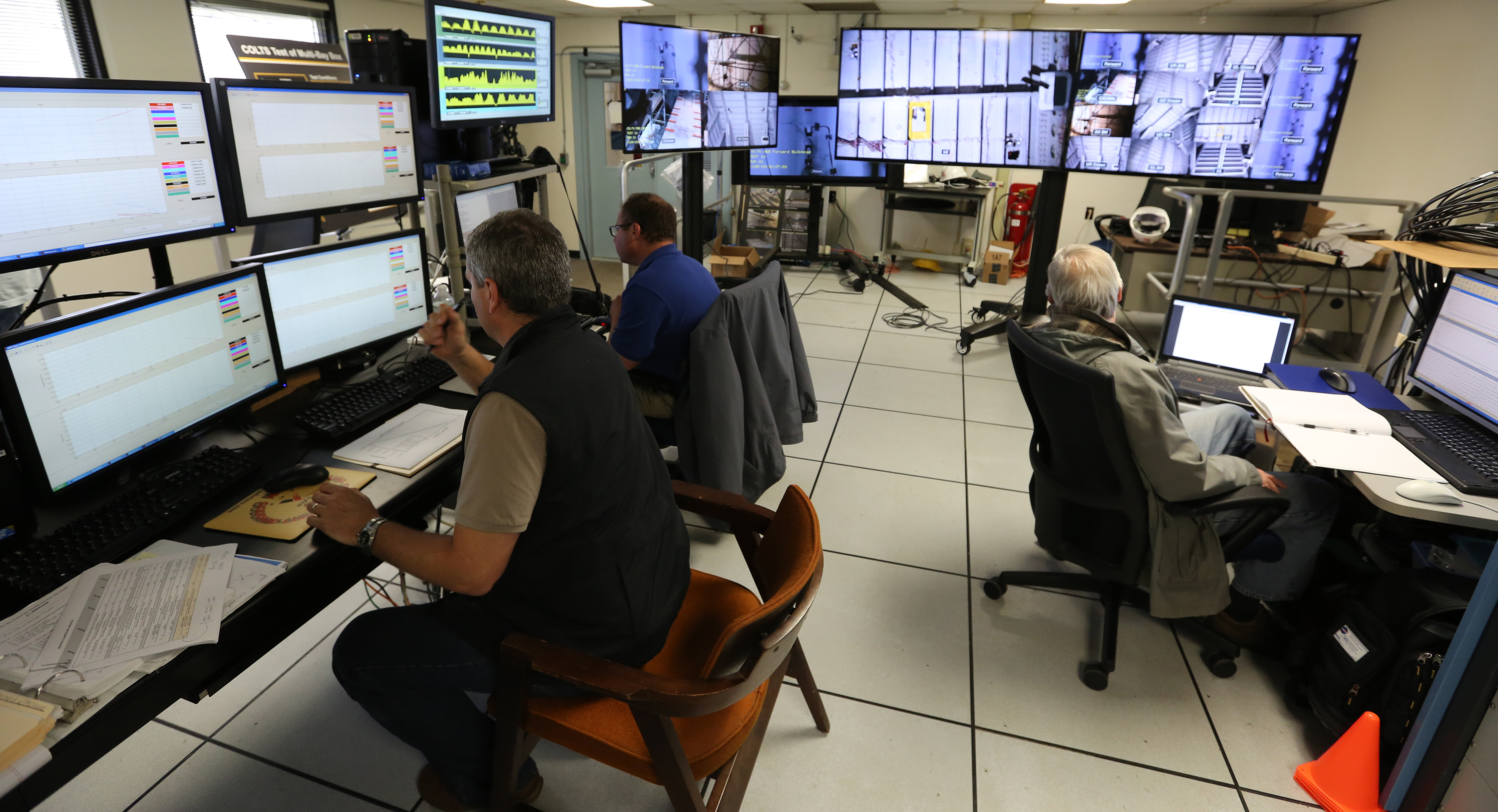 prseus composite survives torturous testing nasa the colts control room team busy gathering data during the middle of a test run