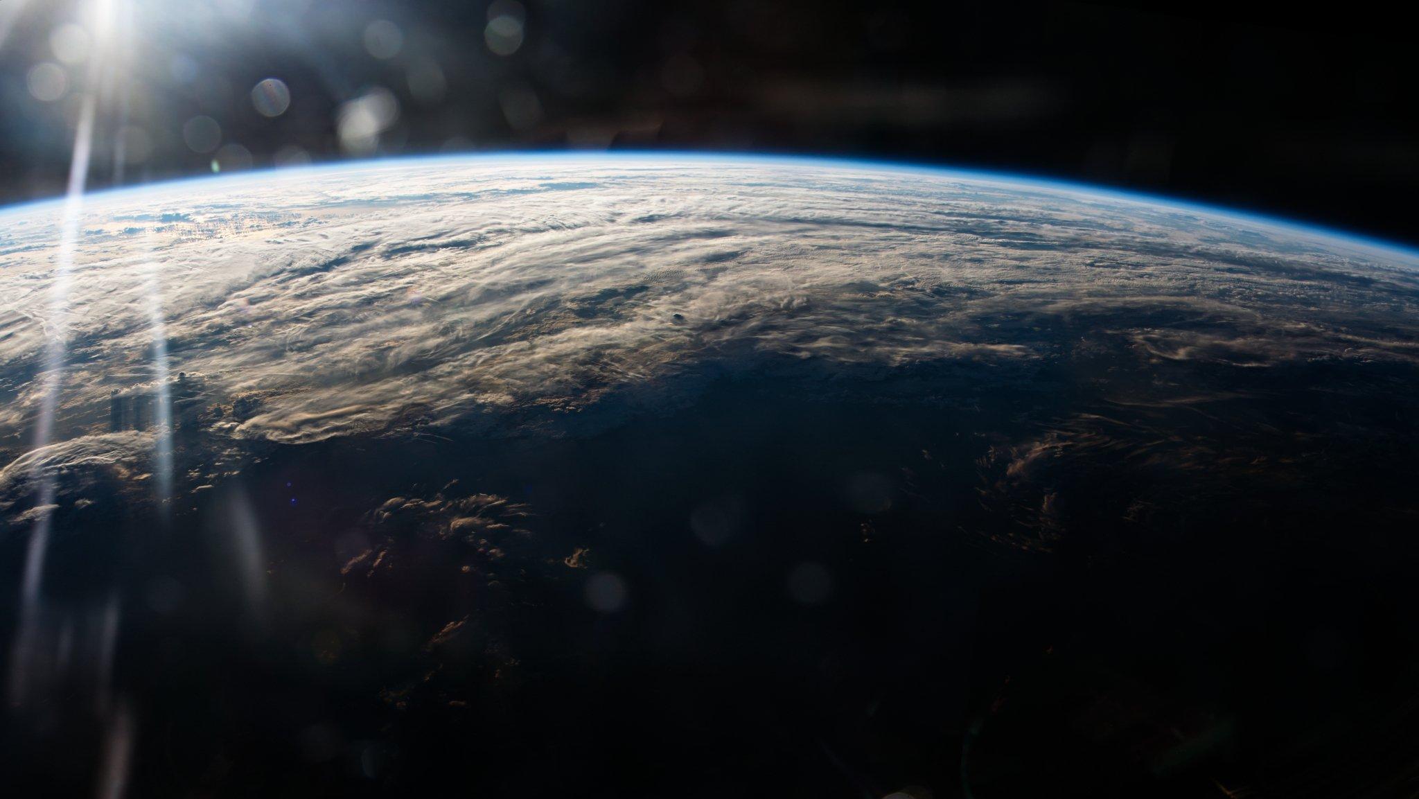 earth orbit video - HD2048×1153