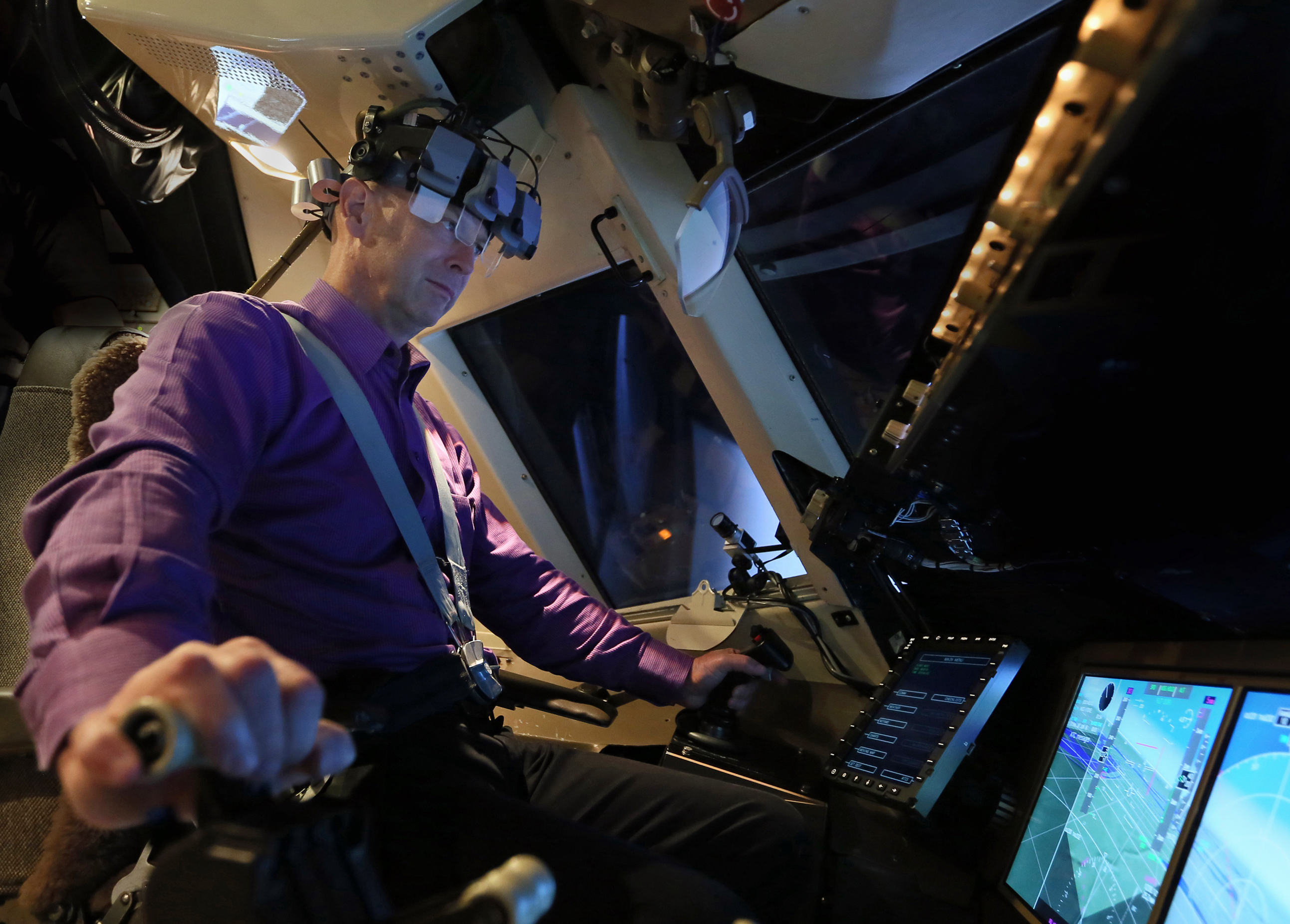 NASA Works with Airline to Improve Pilot Training and Cockpit Displays ...