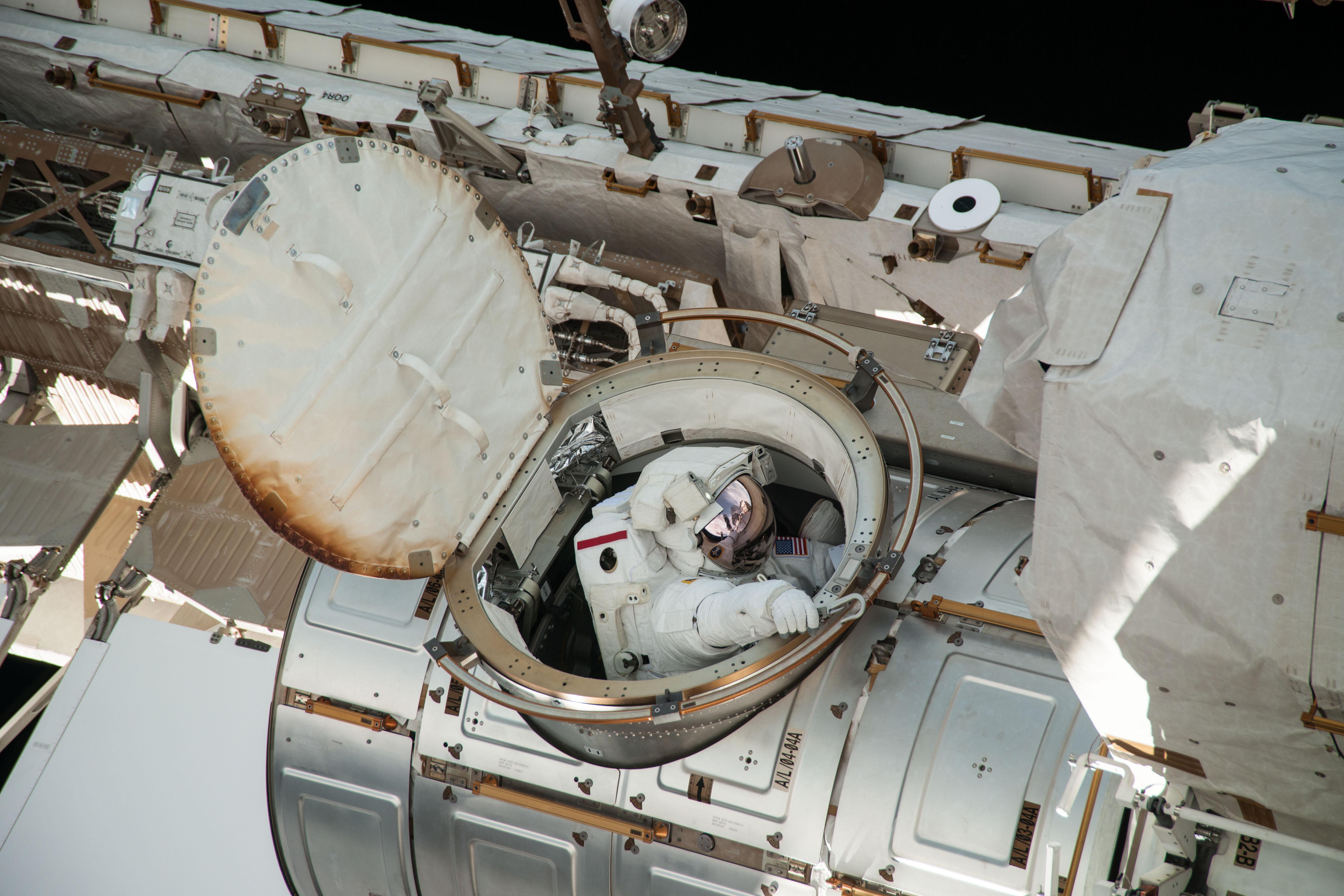 space shuttle b. hatch - photo #27