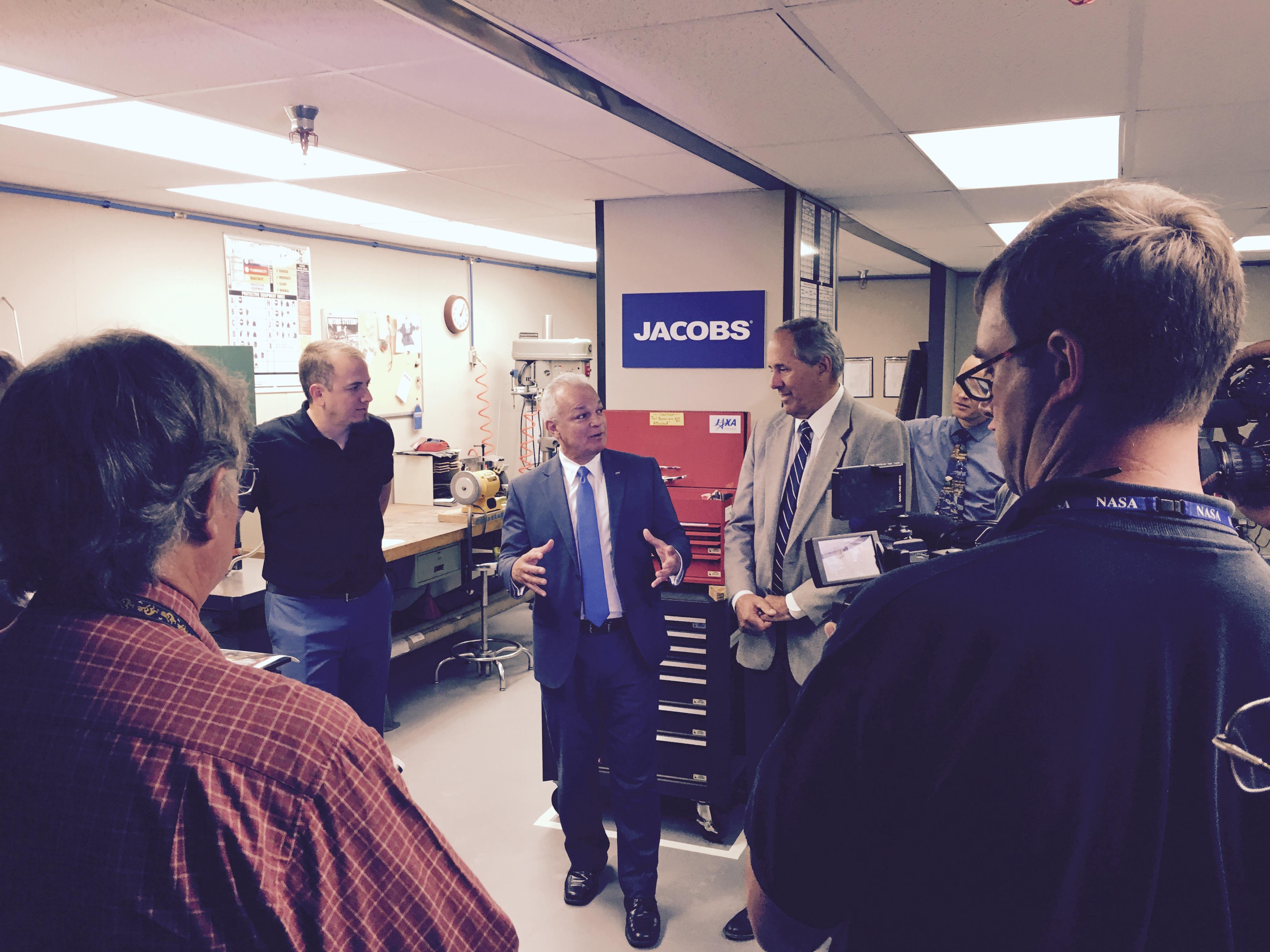 NASA Chief Technologist Visits Jacobs | NASA