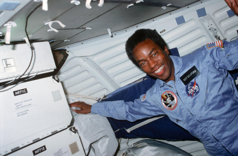 first black astronaut - HD2966×1938