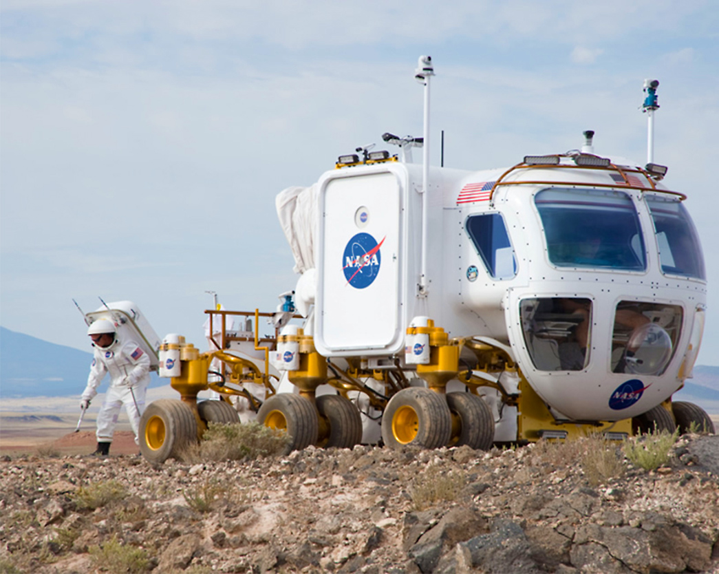 astronaut traveling space vehicle - photo #14