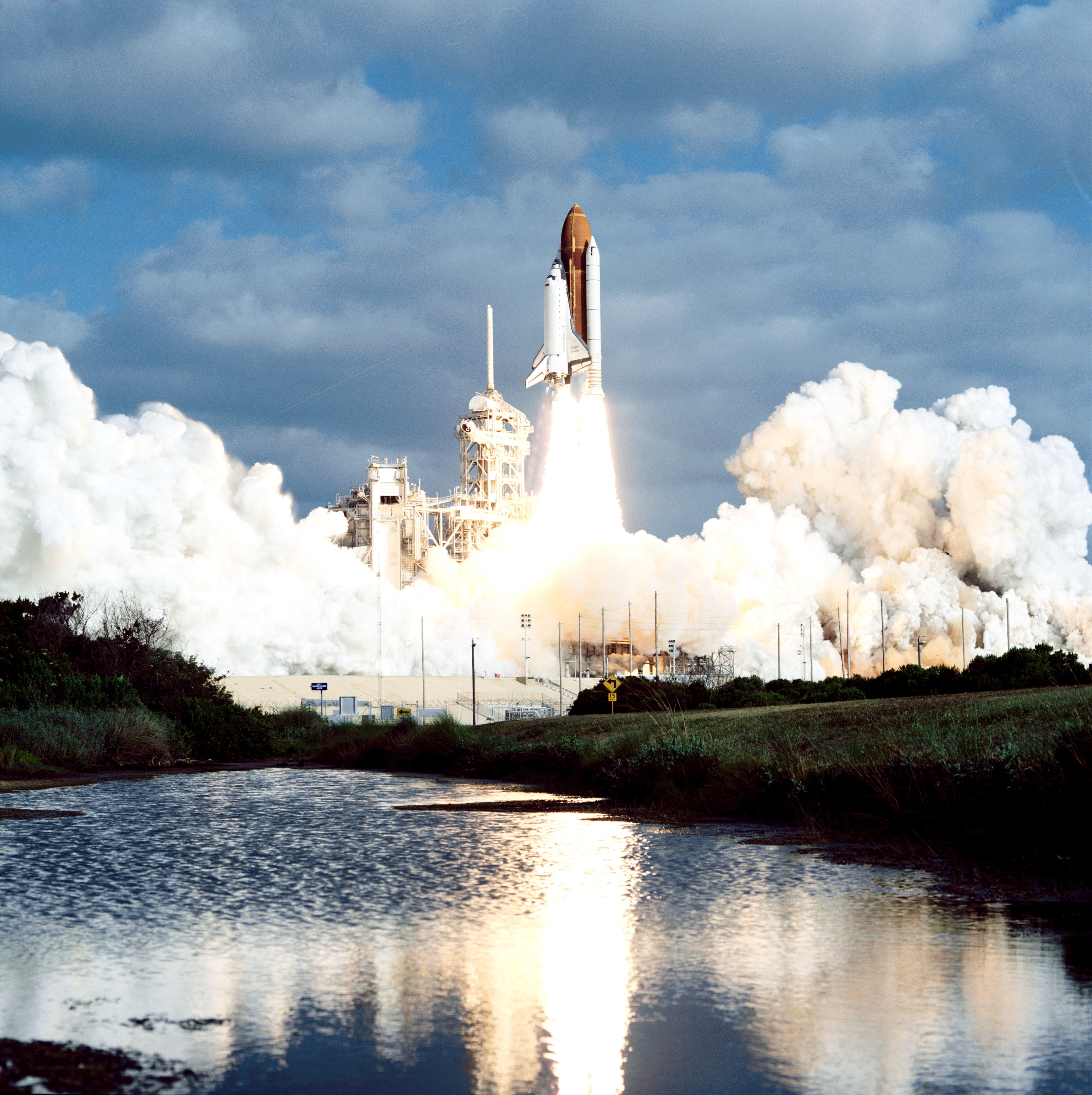 NASA's Kennedy Space Center Celebrates Hubble's 25th ...