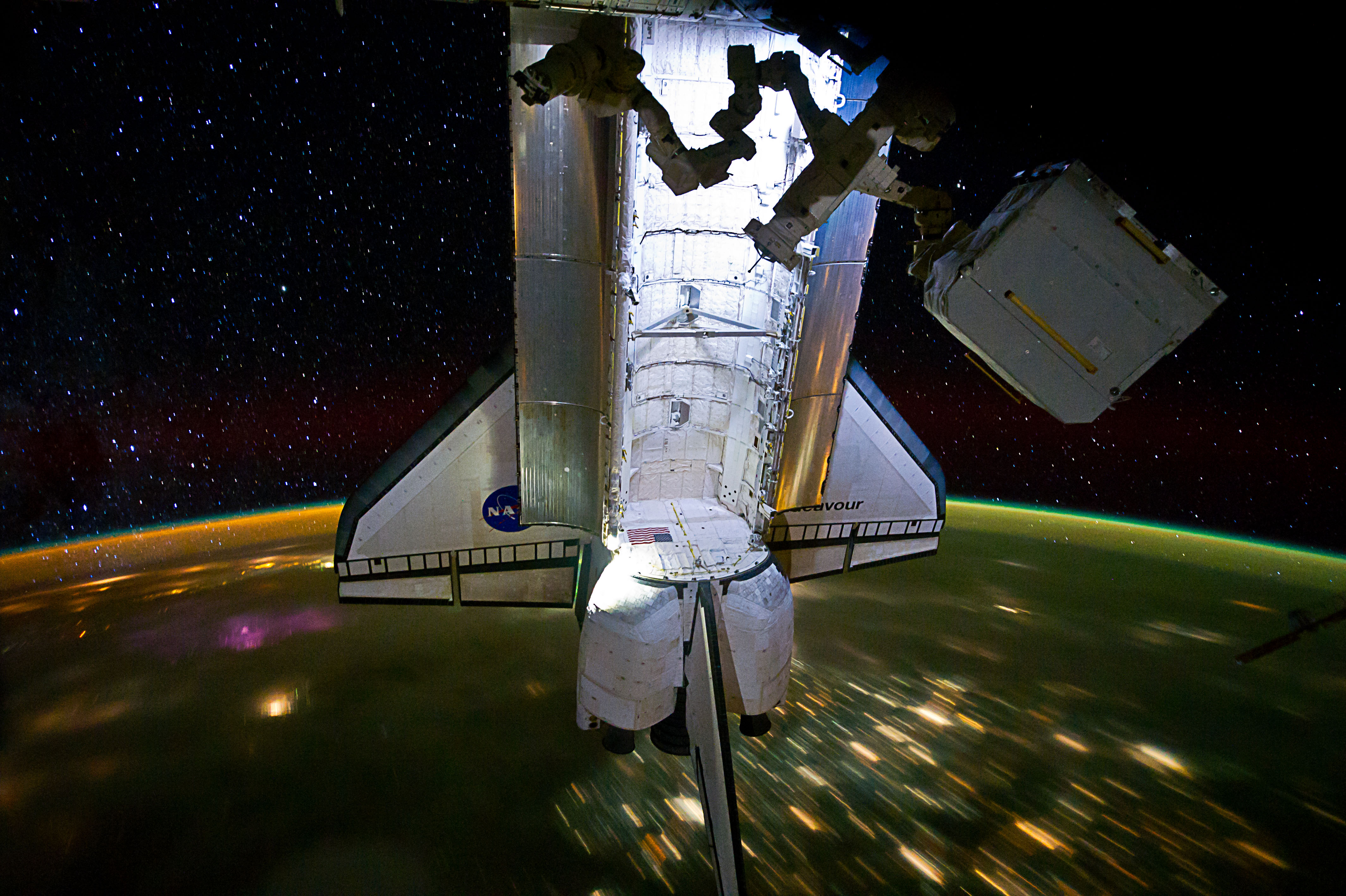 space shuttle endeavour in space - photo #15