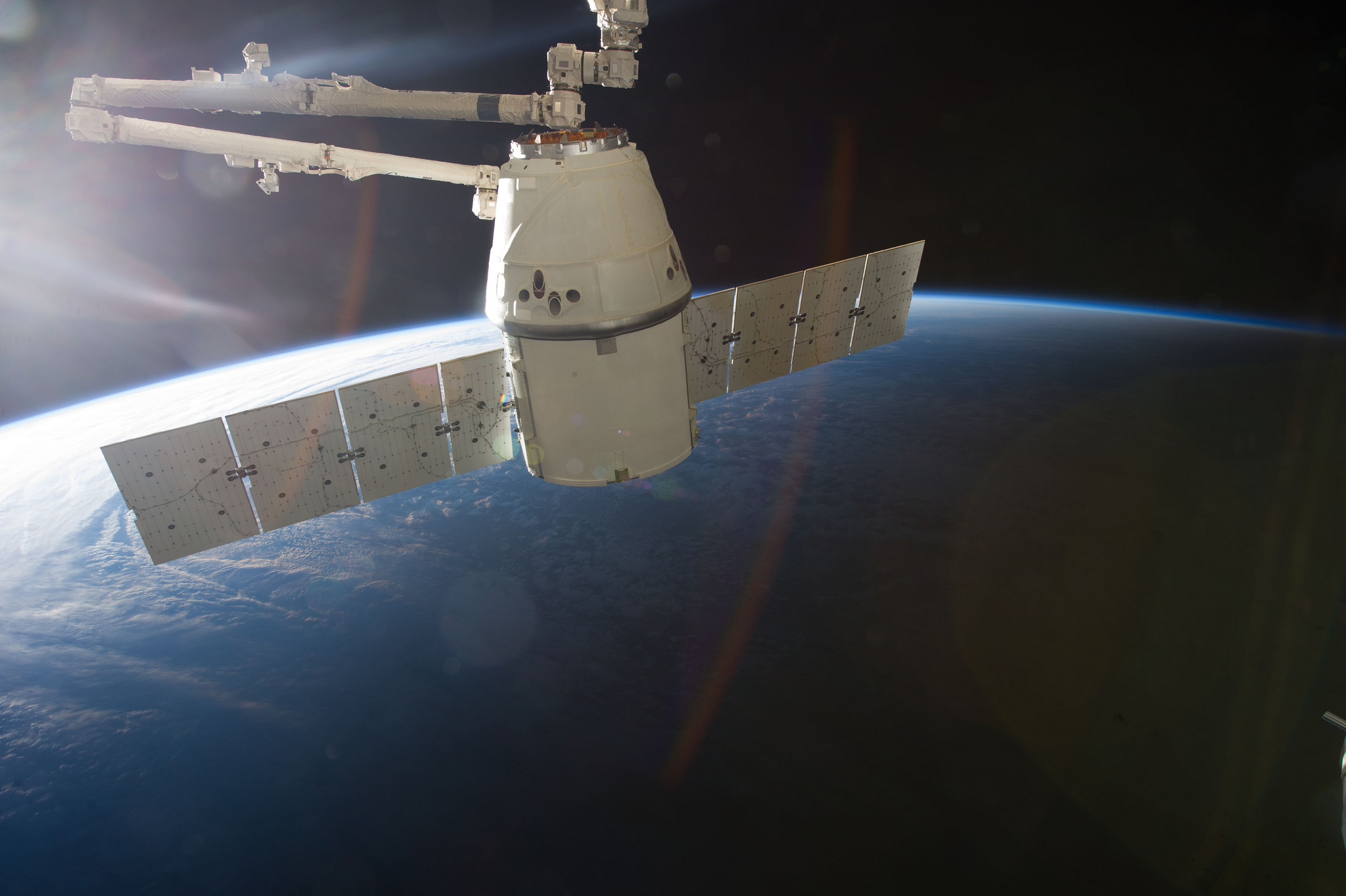 spacex dragon 2 spacecraft 26 march 2013