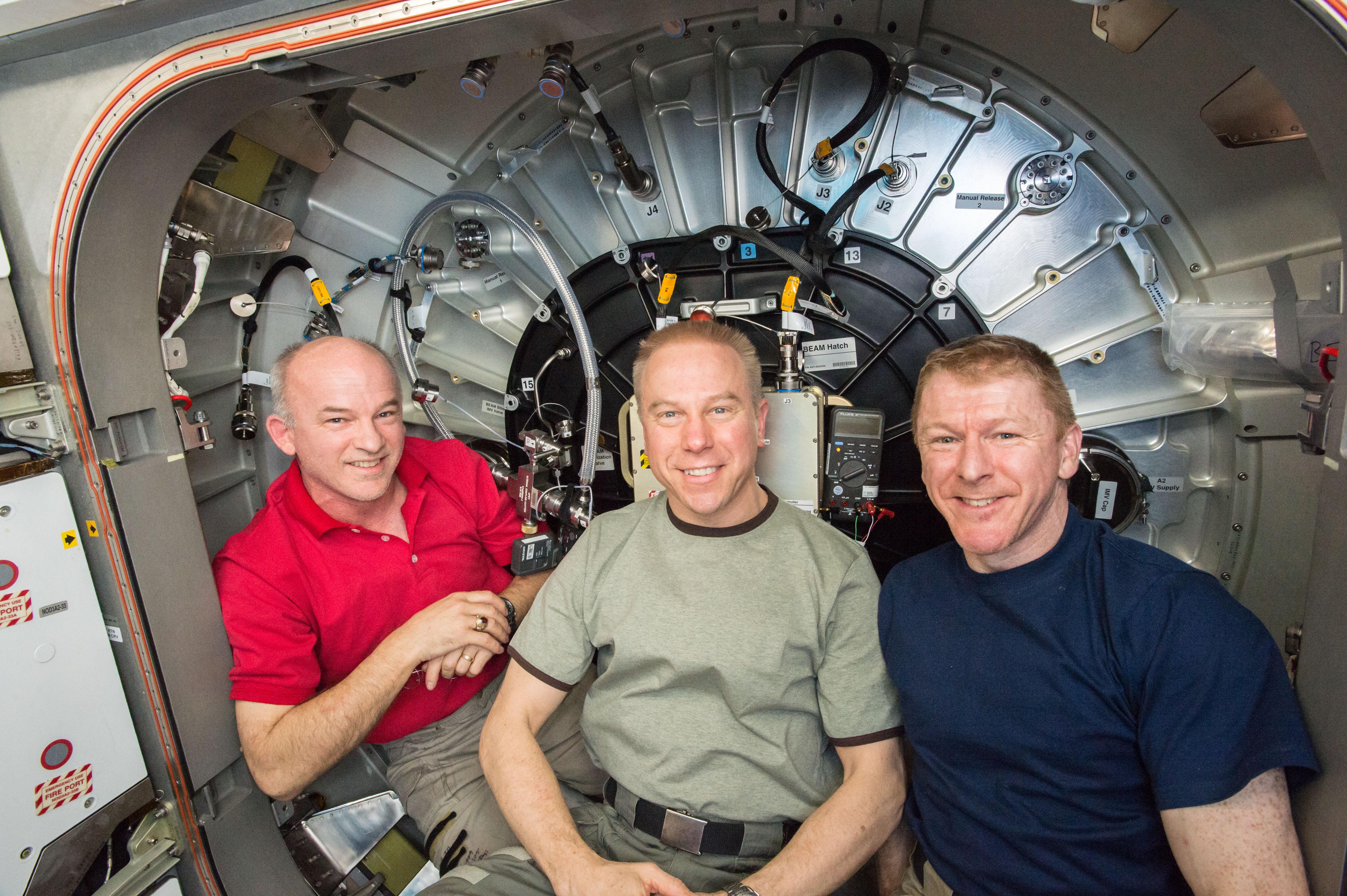 Image-of-NASA-Astronauts-ISS