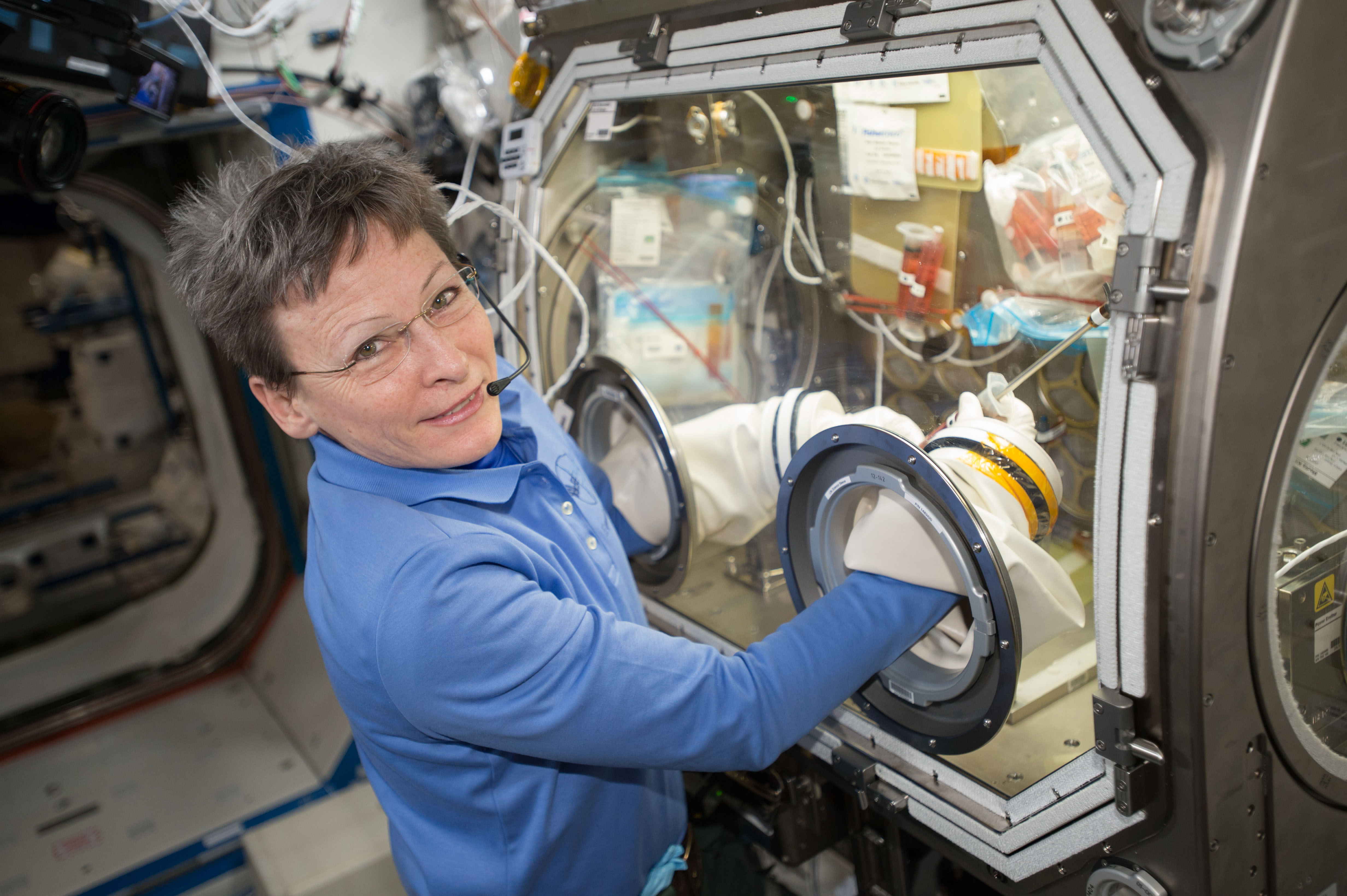 scientific experiments in international space station Wellsville science students' experiment chosen for international space science experiment aboard the international space station to scientific knowledge, 2.