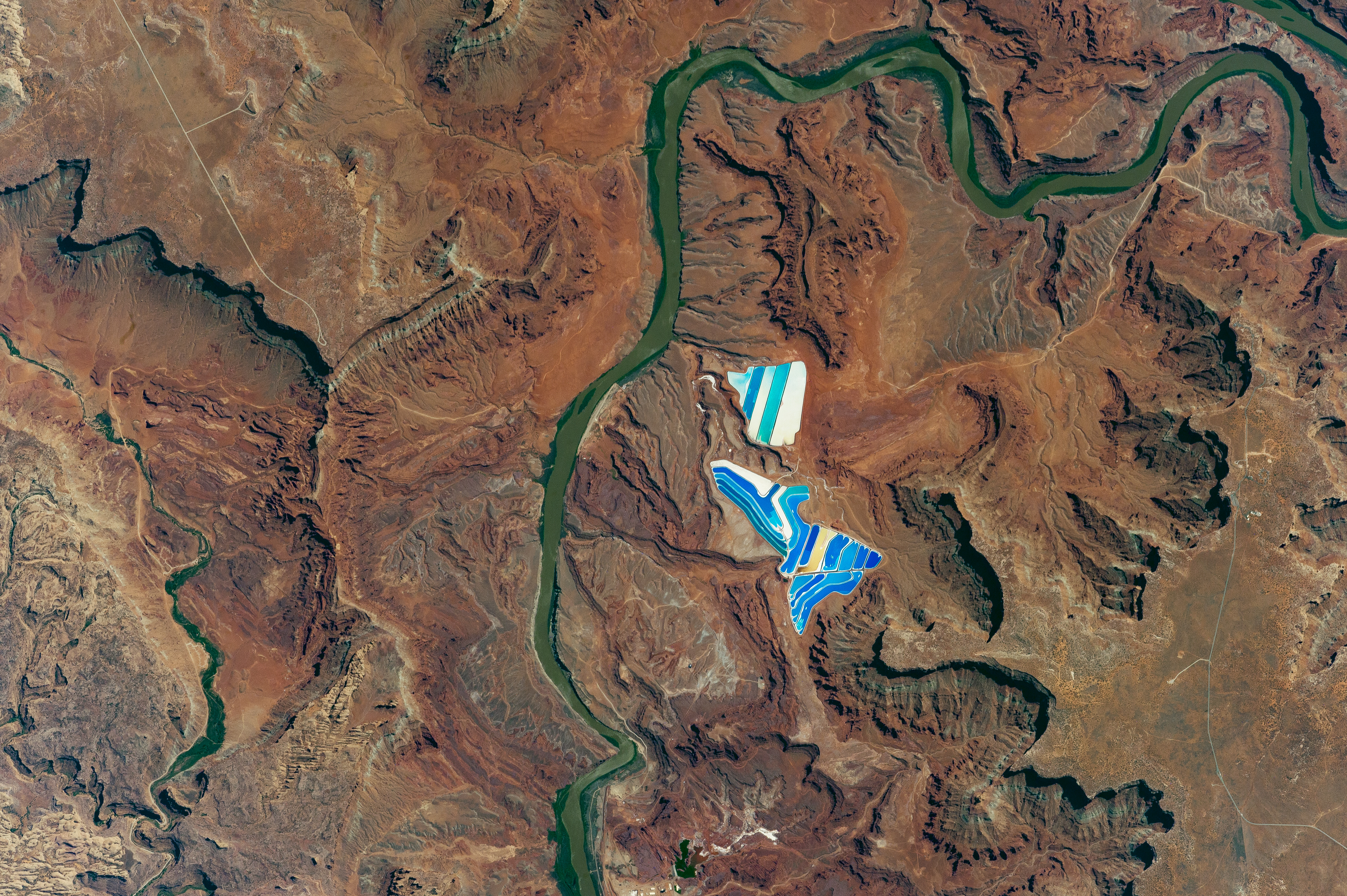 iss052e008757_lrg Cool Nasa News - Solar Evaporation Ponds Near Moab, Utah - #cool #Space #News