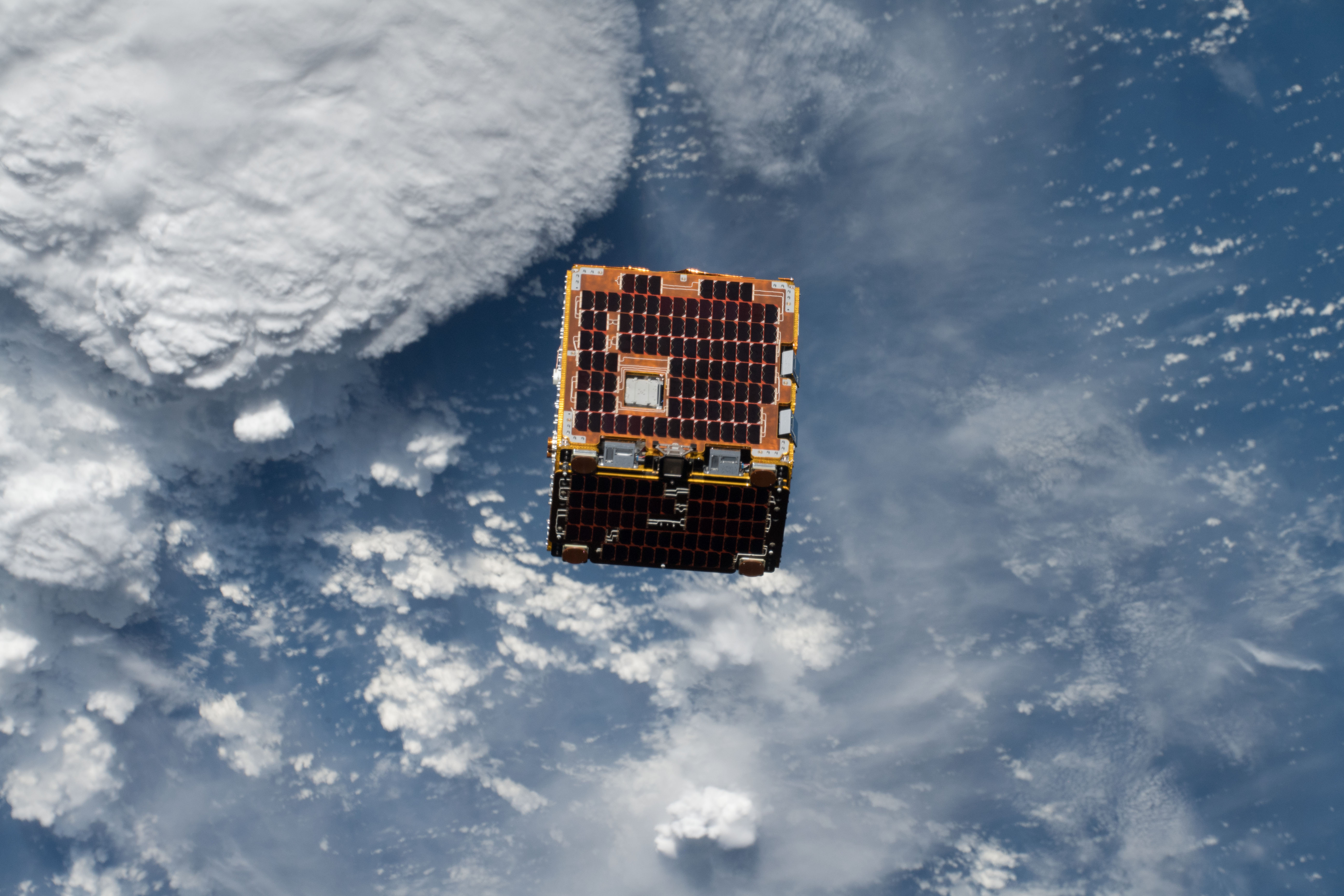 Small Satellite Demonstrates Possible Solution for 'Space Junk'