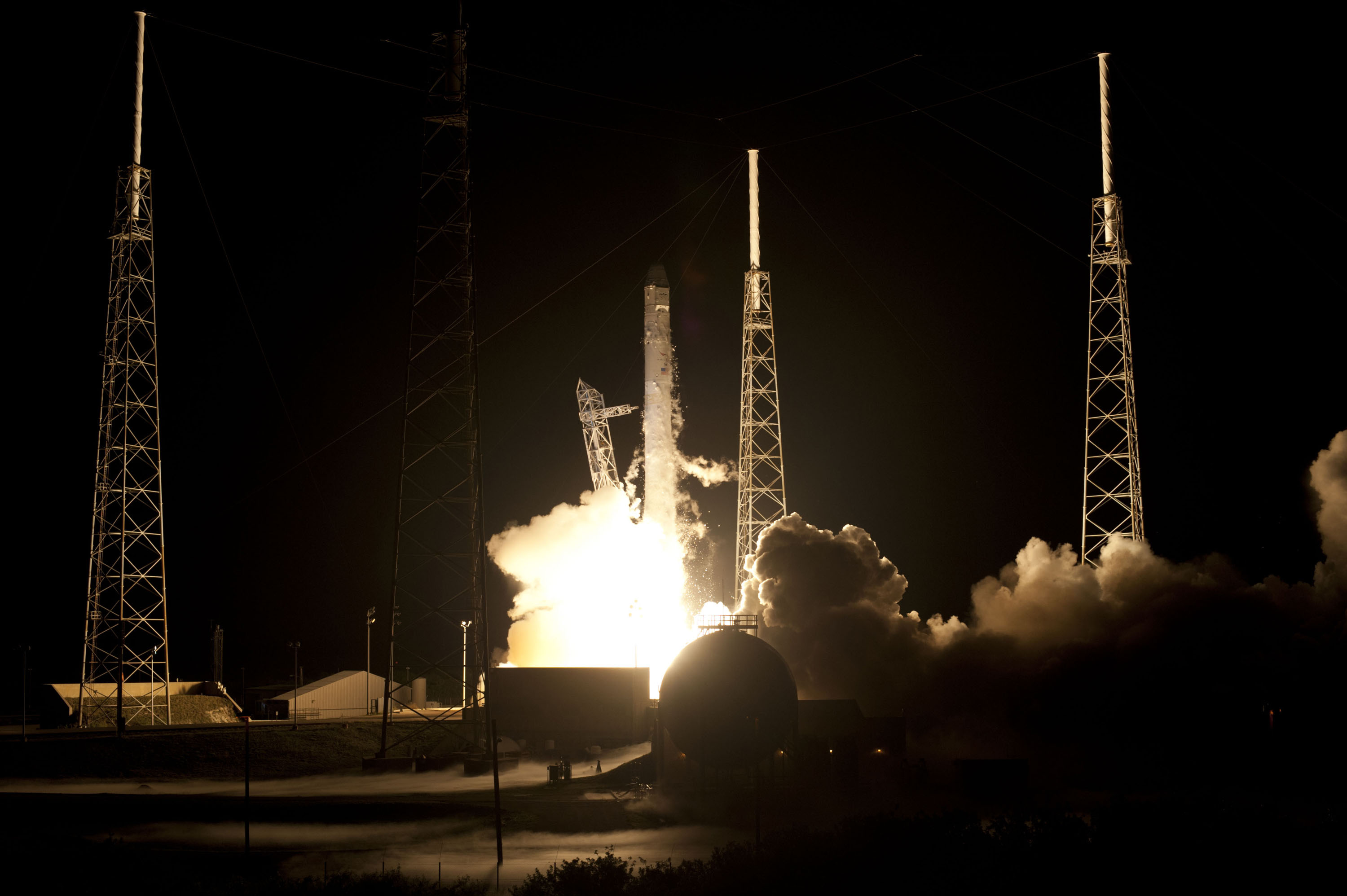 spacex launches rocket - HD3000×1996