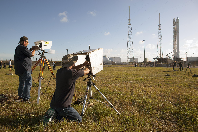 Remote Camera Setup for SpaceX CRS-9   NASA