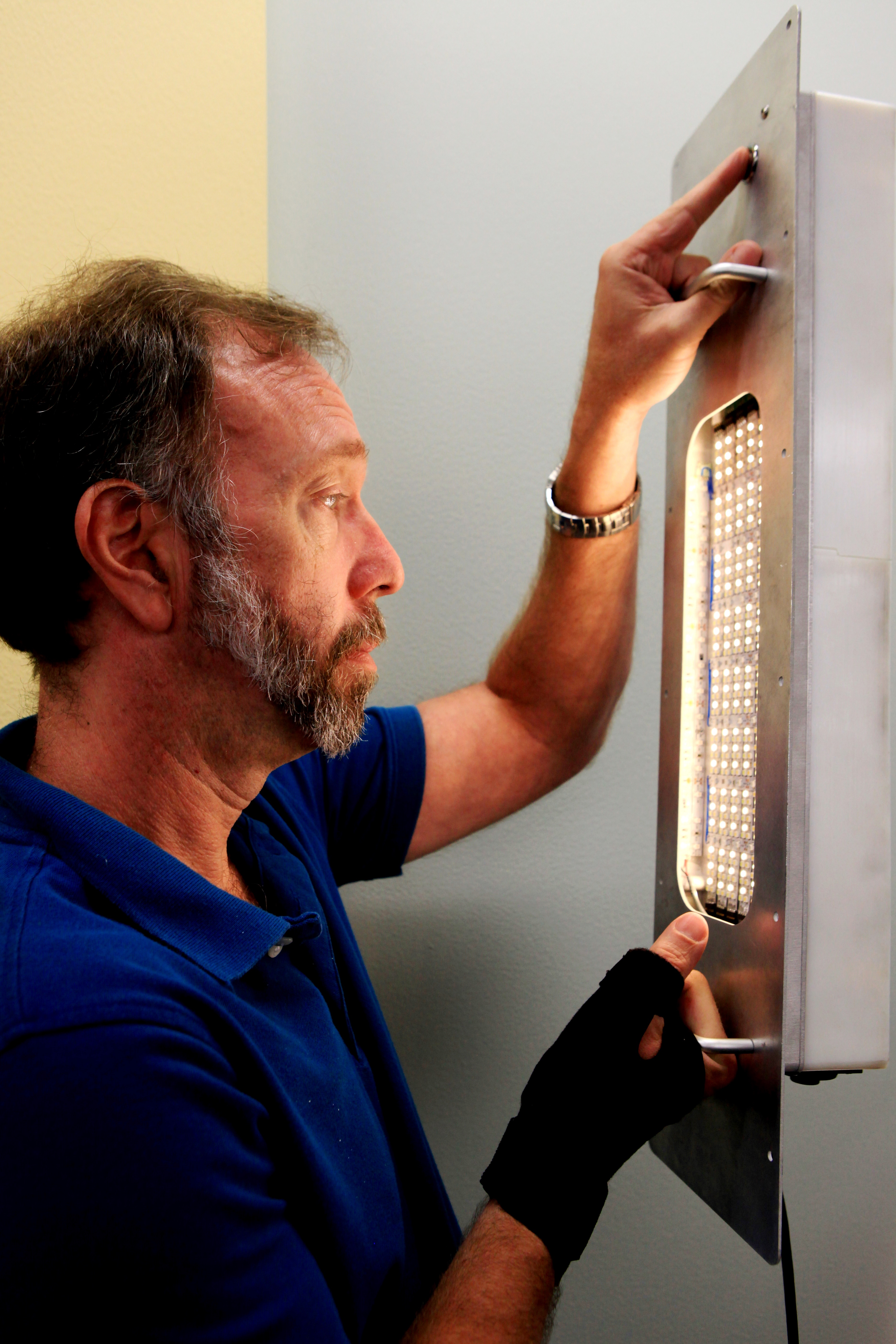 & Light Technology Being Developed for Advanced Communications | NASA azcodes.com