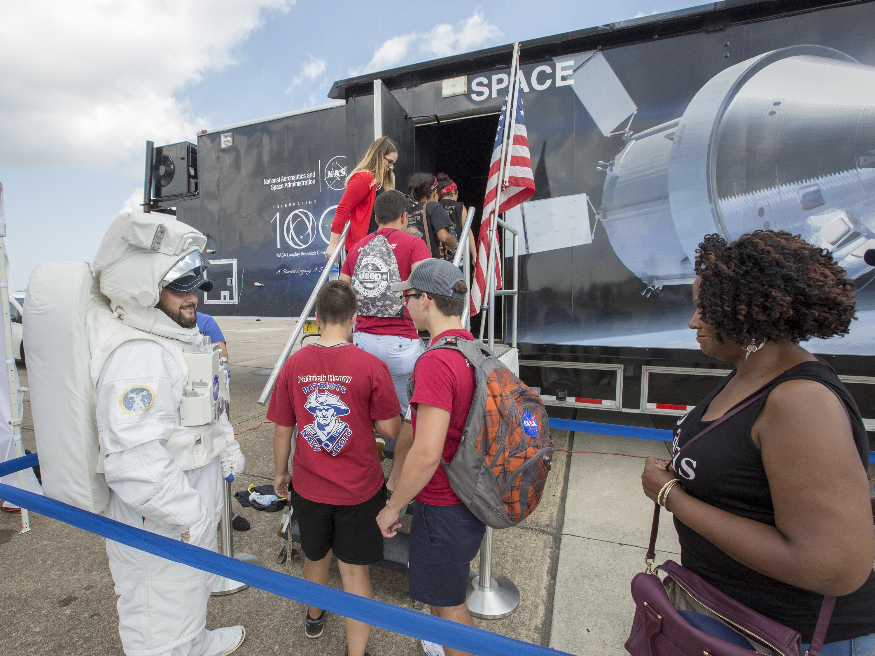 Nasa federal credit union security center - Thousands Of Attendees At Nas Oceana S Air Show Learned More About Nasa S Langley Research Center And