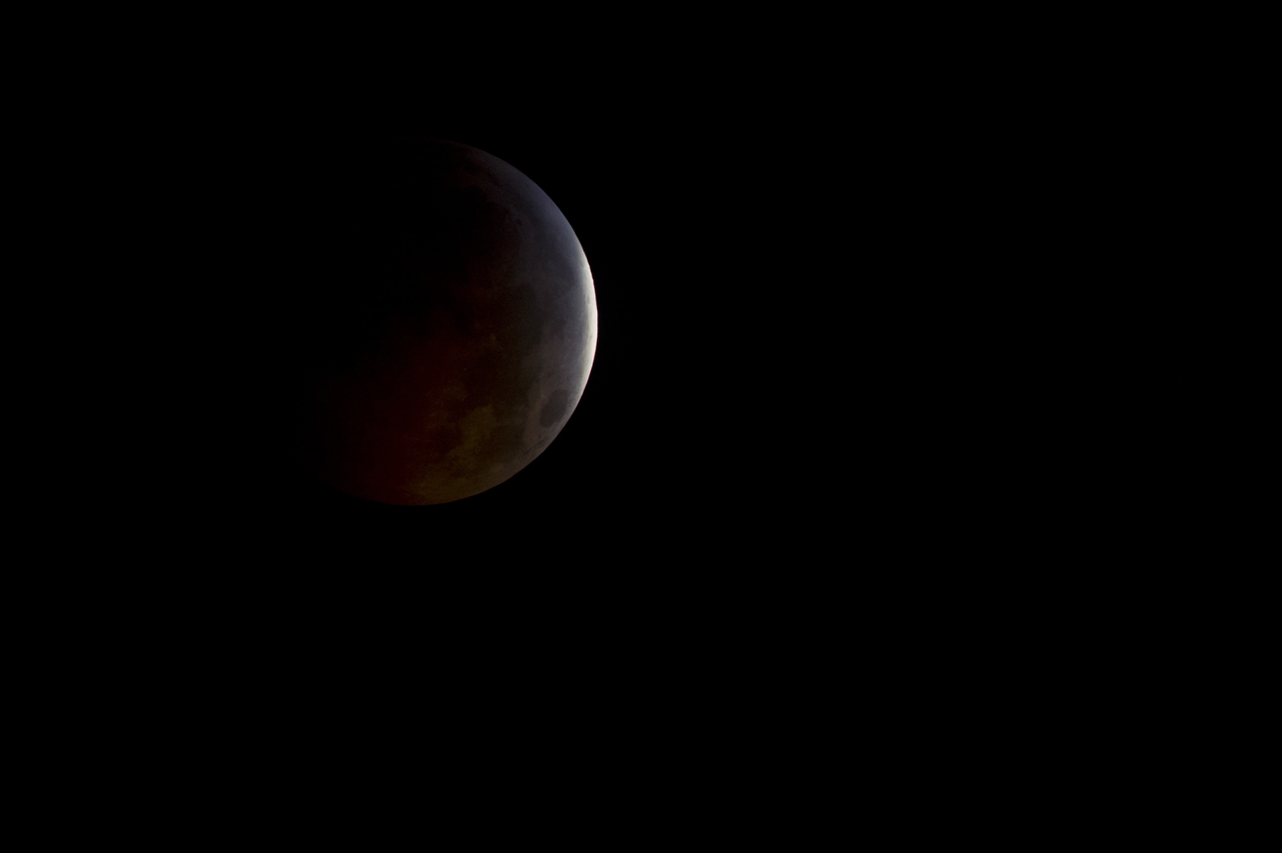 Colouring sheets of the lunar eclipse - Eclipses And Transits Moon Descends Almost Completely Into Shadow During 2010 Eclipse