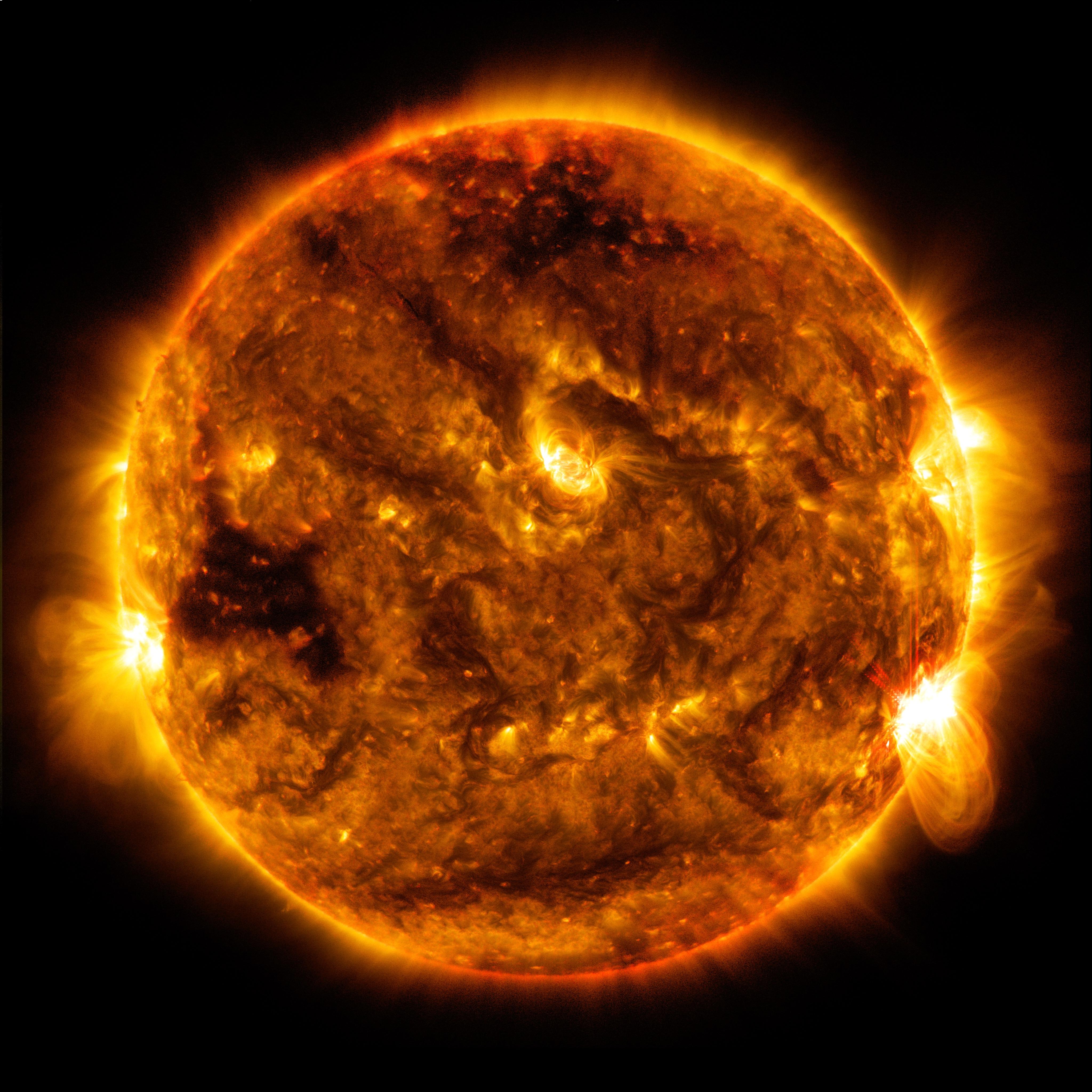 Sun Emits Mid-Level Flare Oct. 1 | NASA