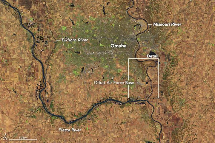 Foto Satelit NASA Perlihatkan Keparahan Banjir yang Menelan Kota