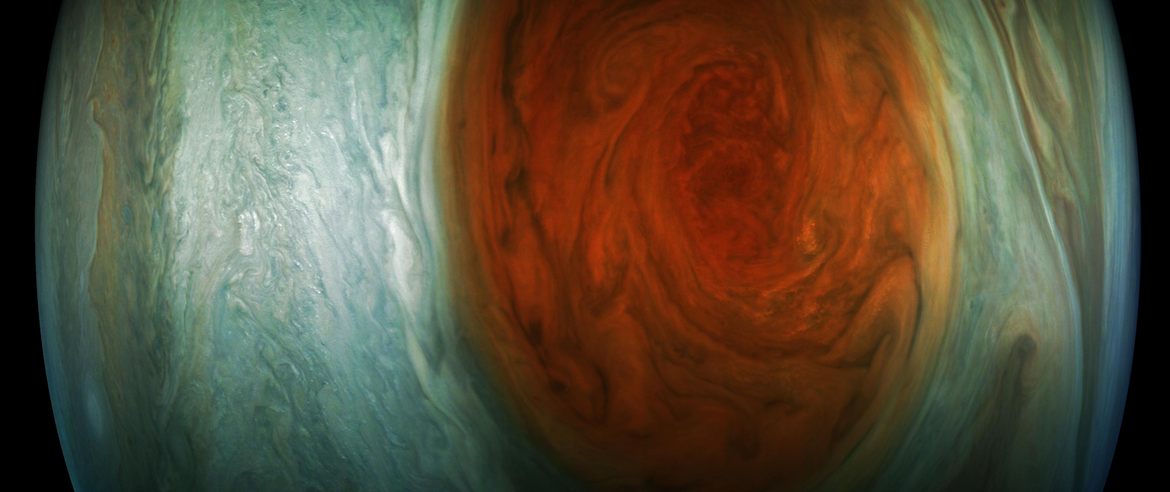 This enhanced photo was sent in by citizen scientist Gerald Eichstädt