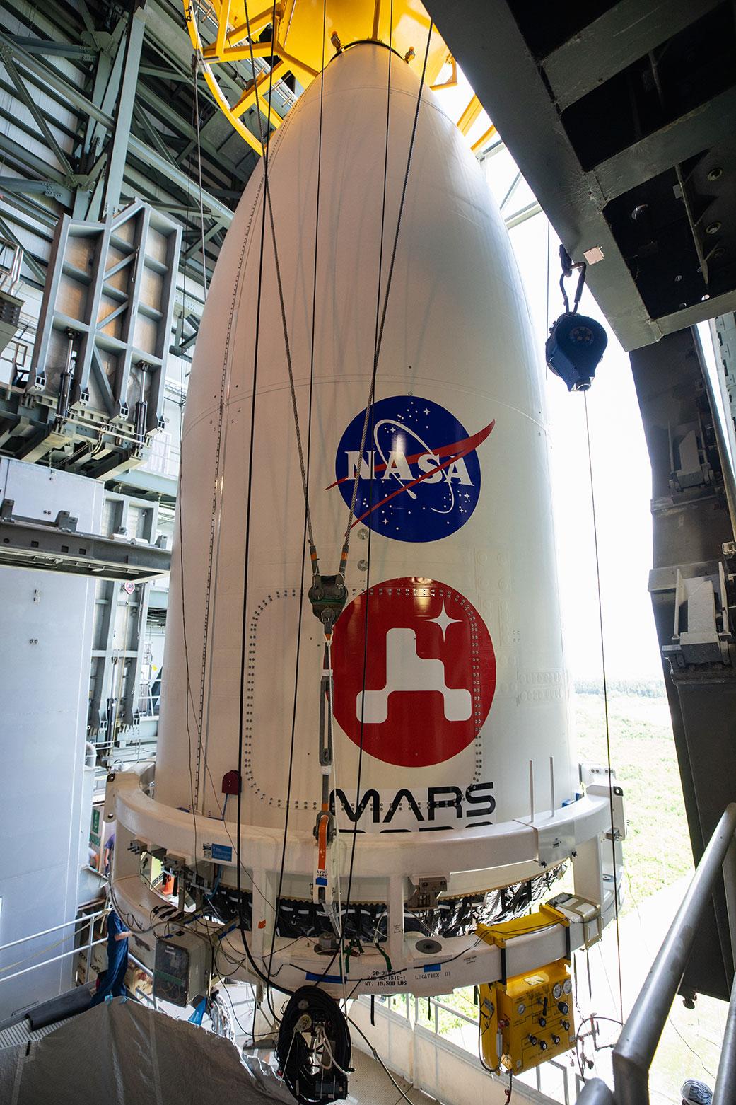 El rover Perseverance de la NASA pasa la revisión de preparación para el vuelo.