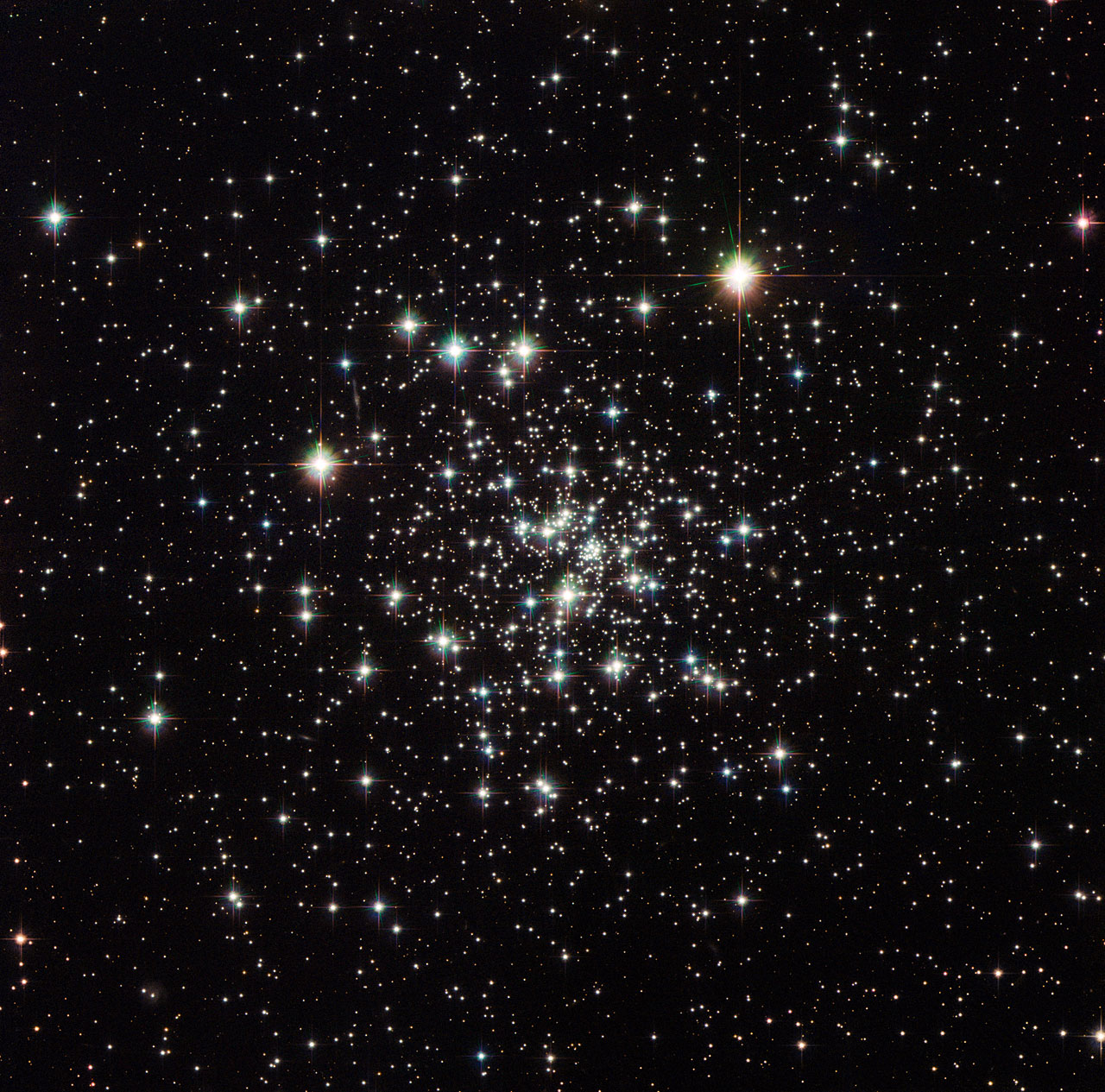 4ad527469 Hubble Sees an Ancient Globular Cluster