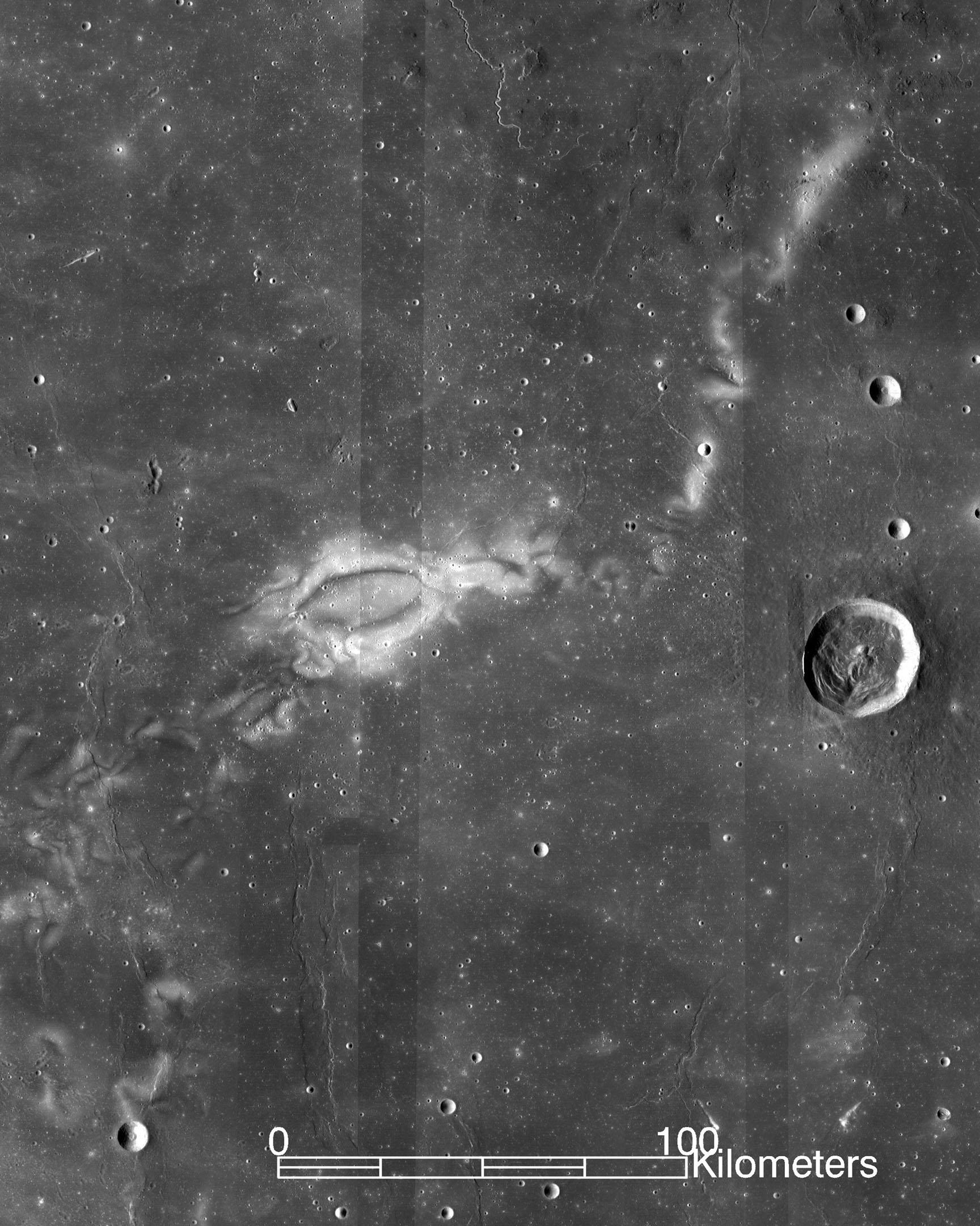 Měsíc, povrch