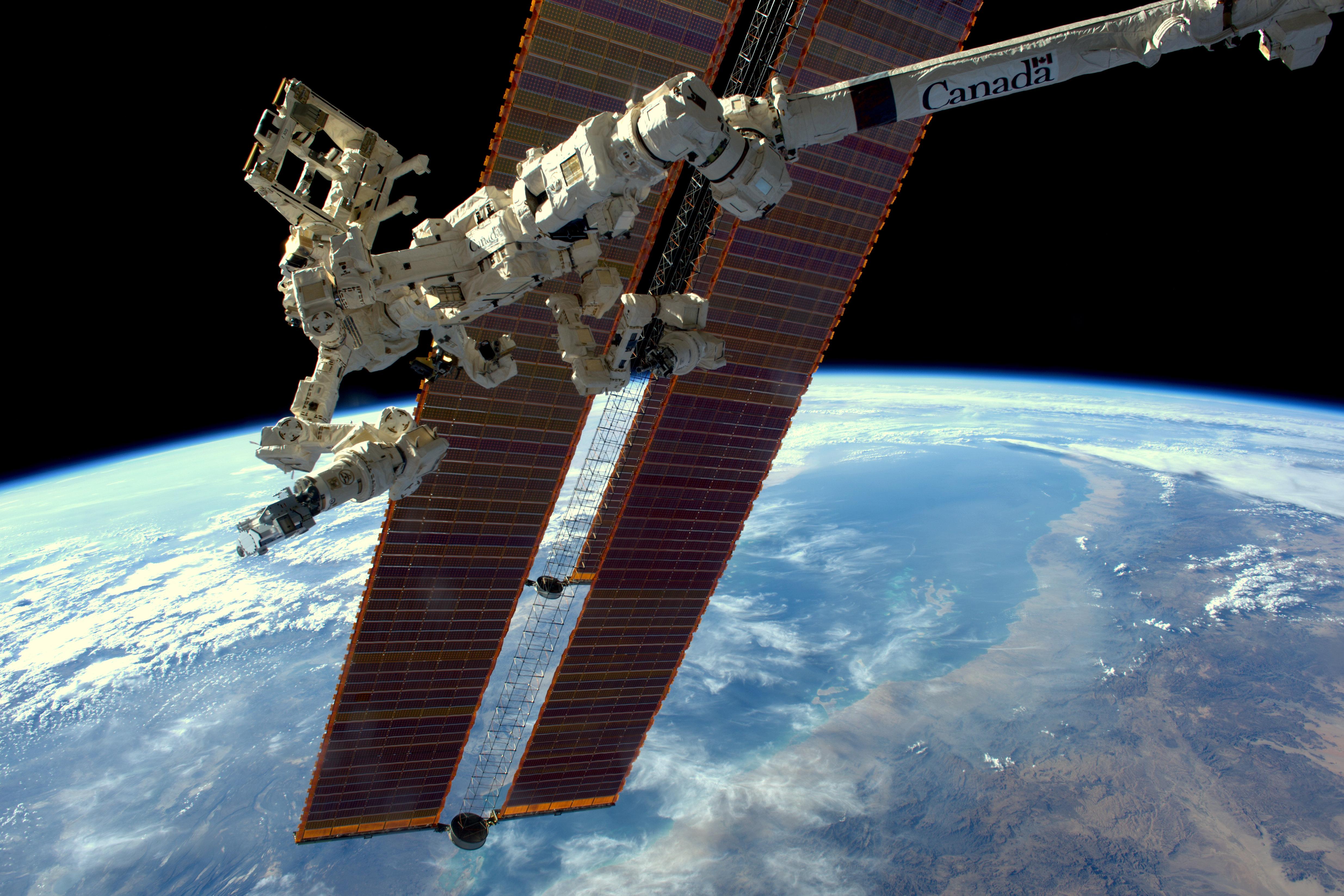 Nasa S Robotic Sniffer Confirms Space Station Leak