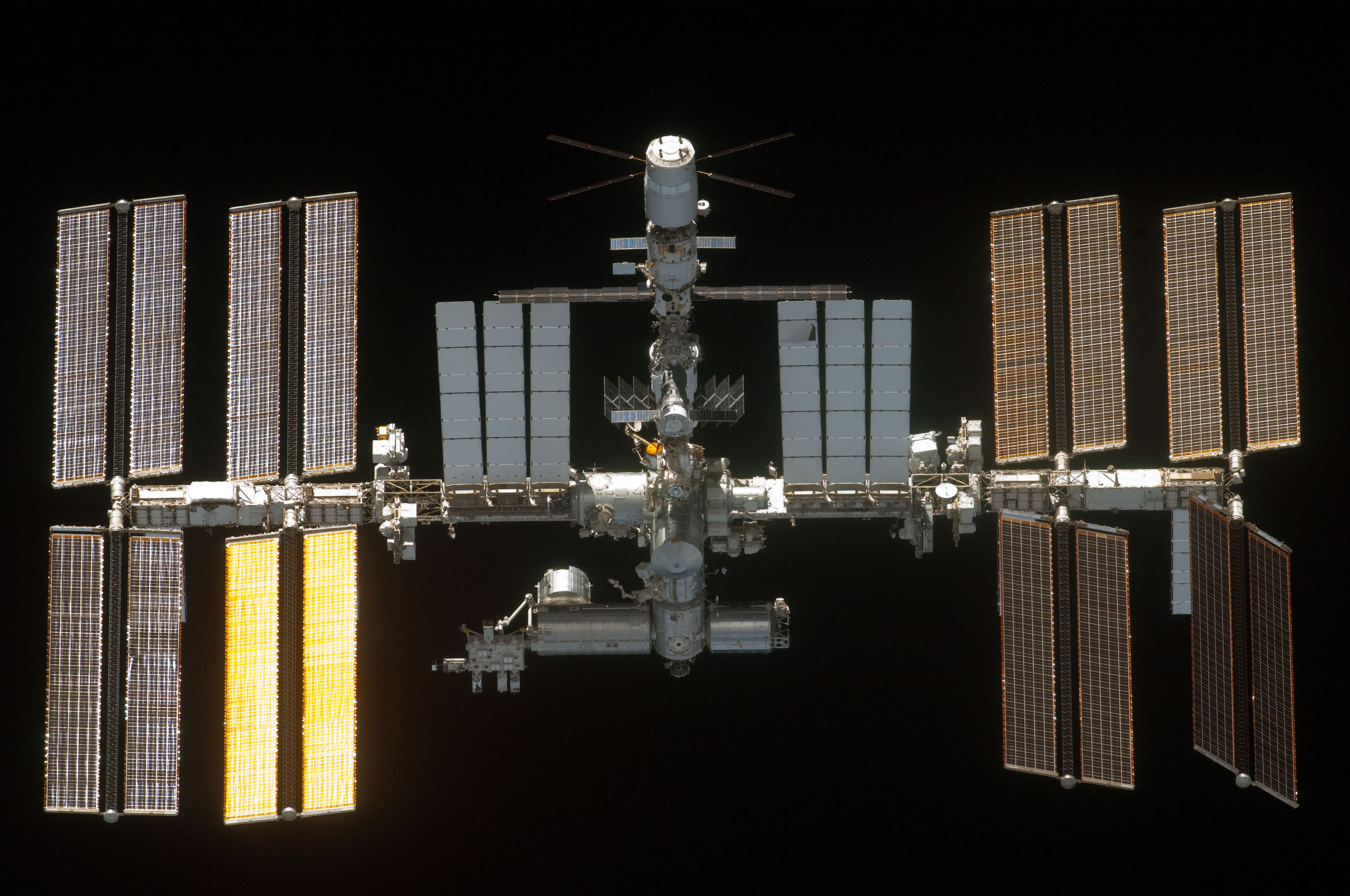 solar powered space station - photo #11