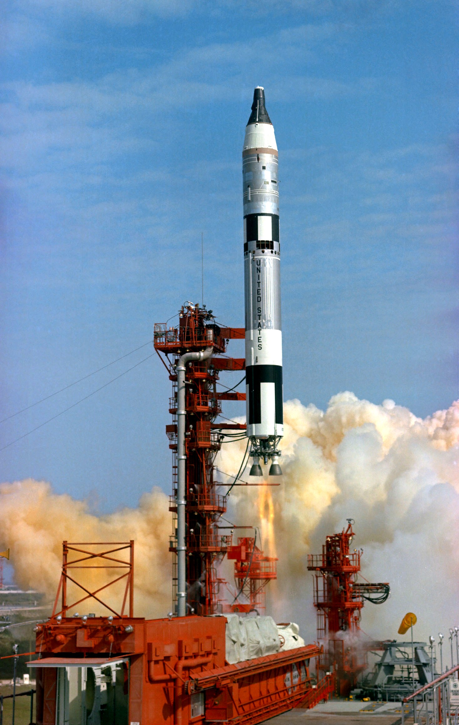 Gemini Spacecraft Launch - Pics about space