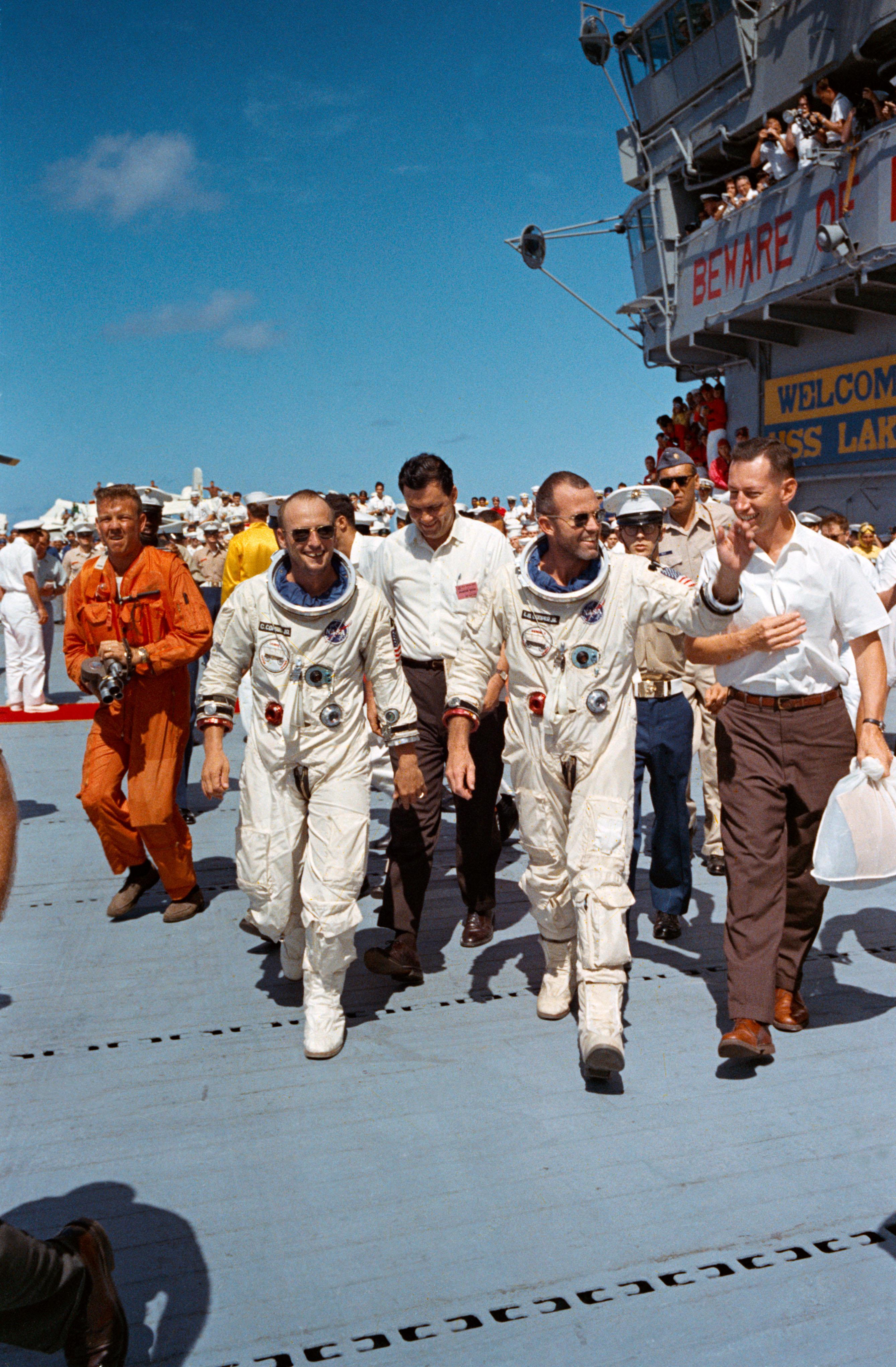 29 1965 Gemini V Crew Returns To Earth