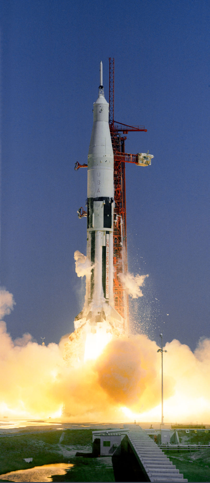 apollo space flights launched - photo #6