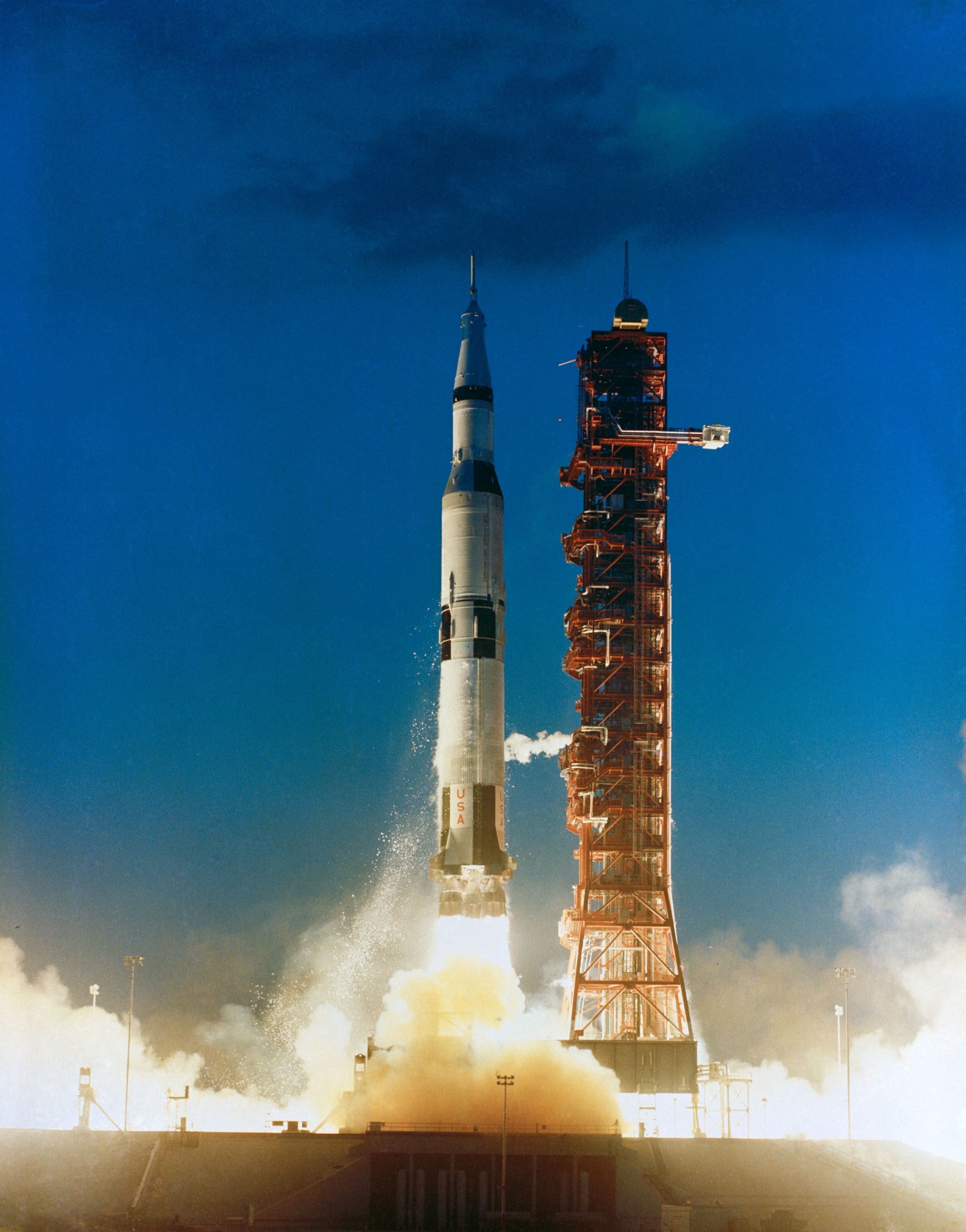 apollo the first space flights to the moon - photo #8