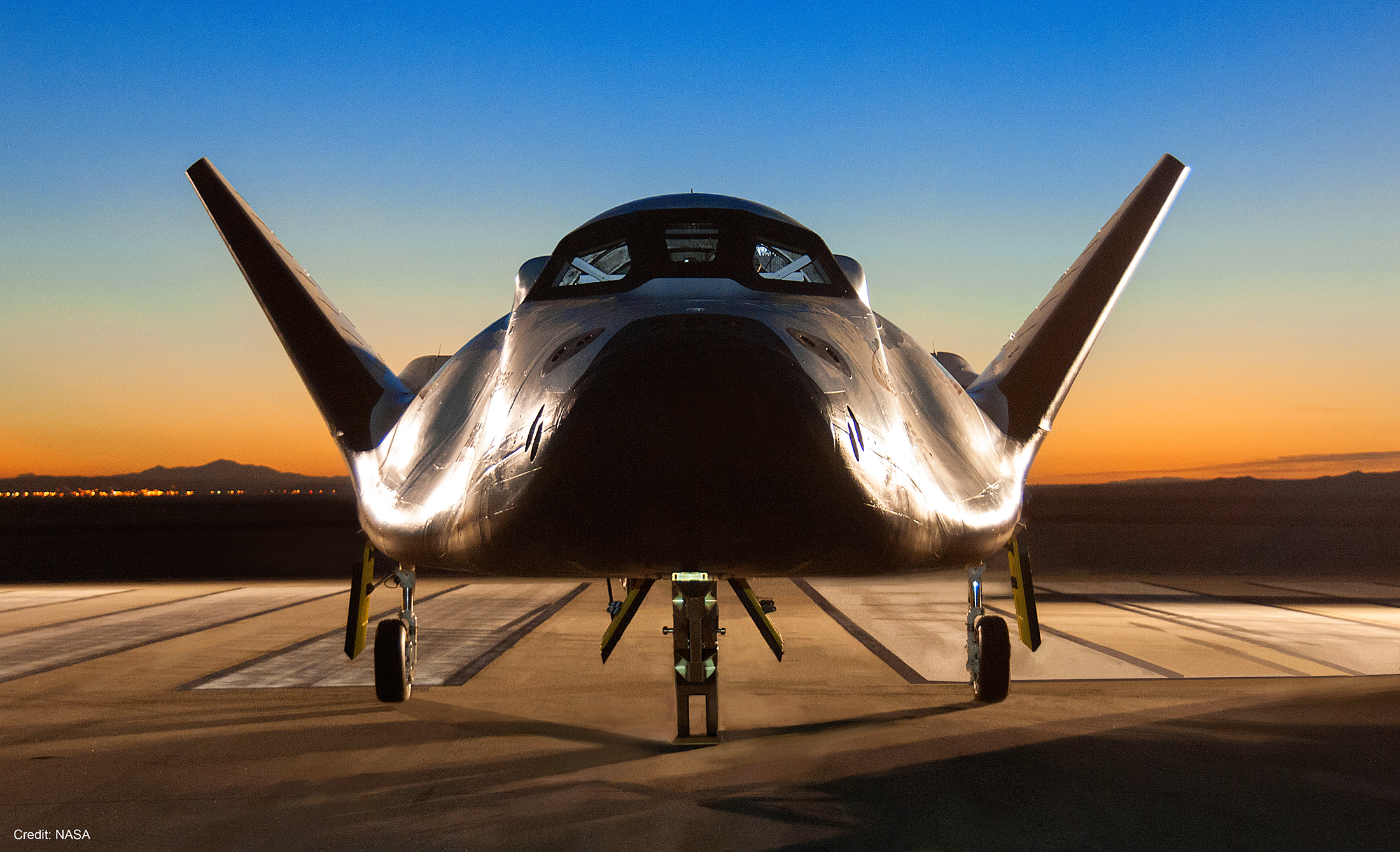 Nasa federal credit union security center - The Dream Chaser Photographed At Dawn On The Nasa Armstrong Research Center Runway