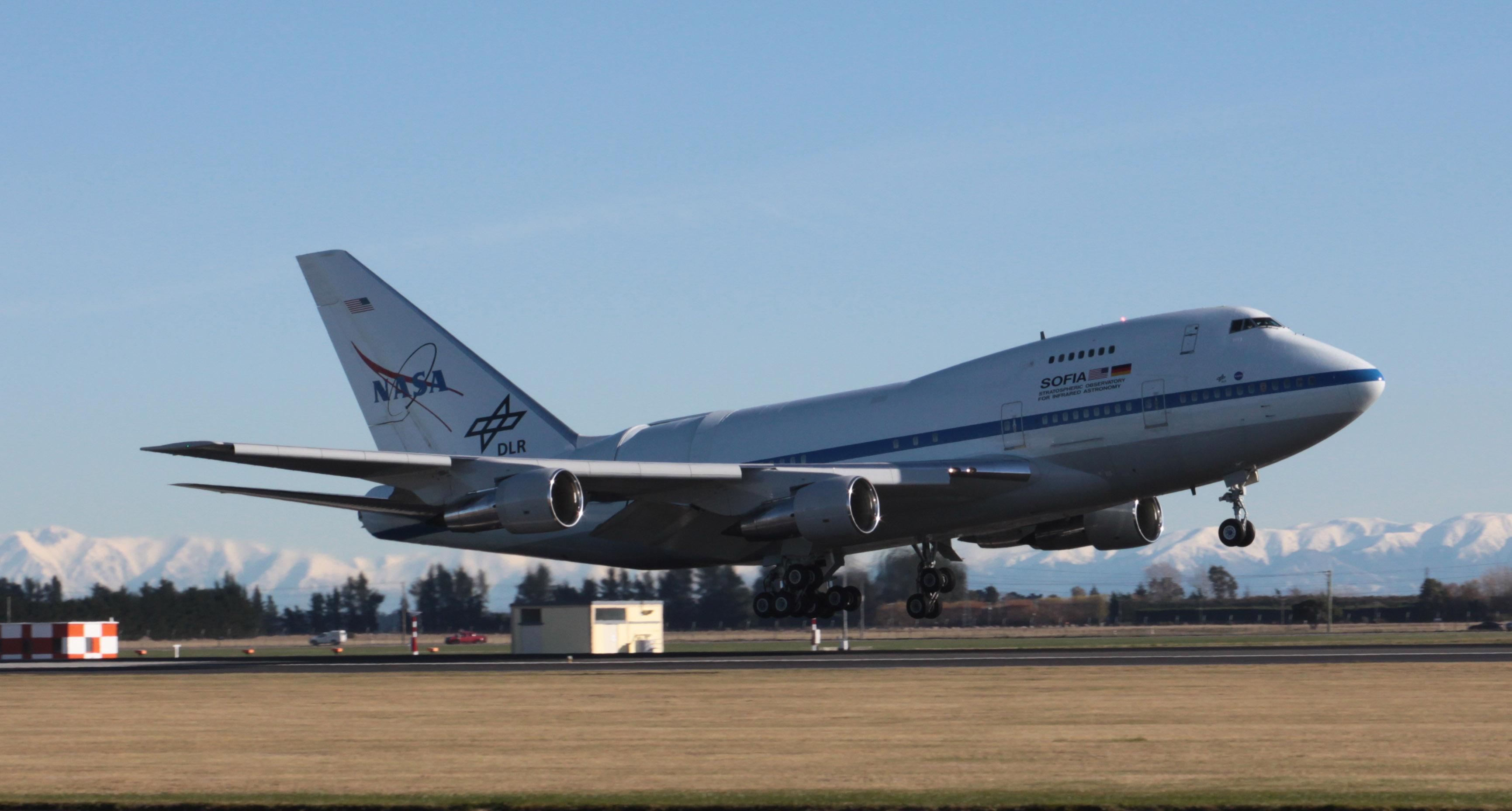 Sofia heads to new zealand to study southern skies nasa for Nasa air study