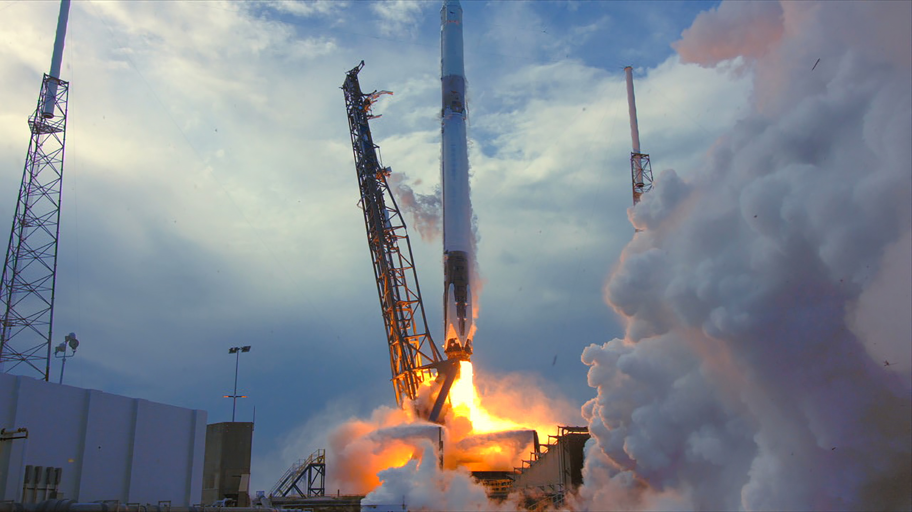 Falcon 9 Launch Live Broadcast (CRS-14) 70