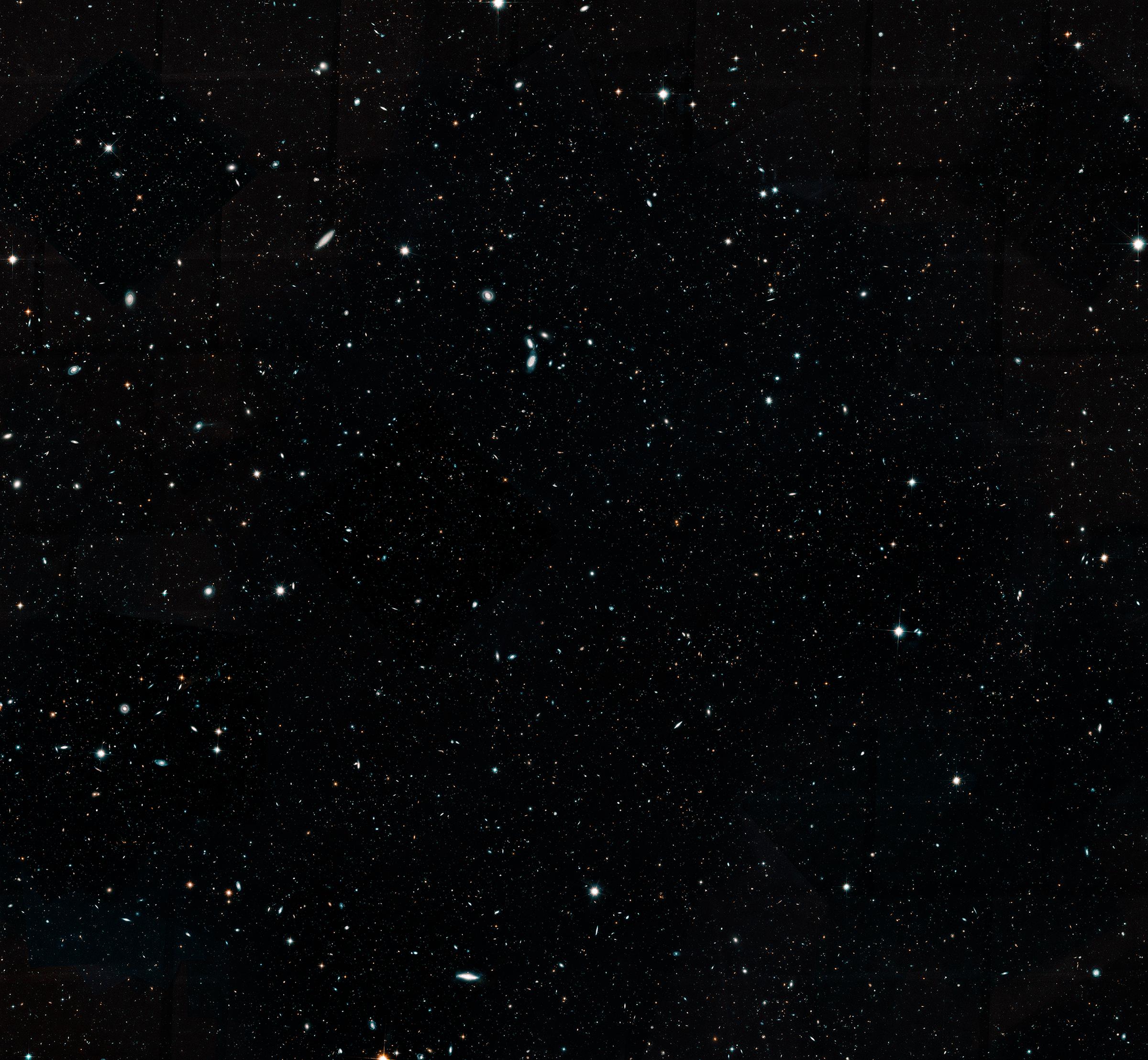 Hubble Assembles Wide View of Evolving Universe | NASA