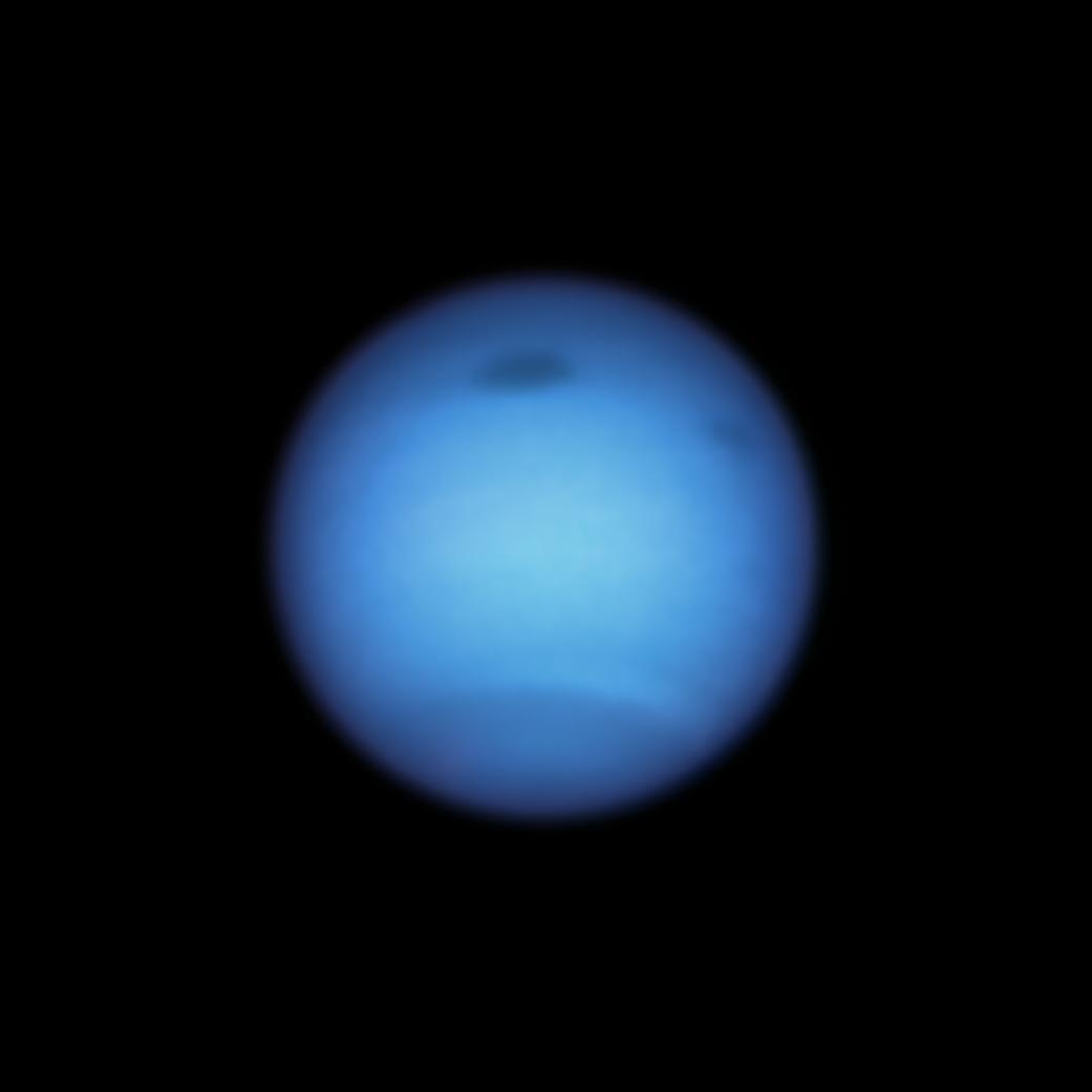 Neptun, tmavá bouře