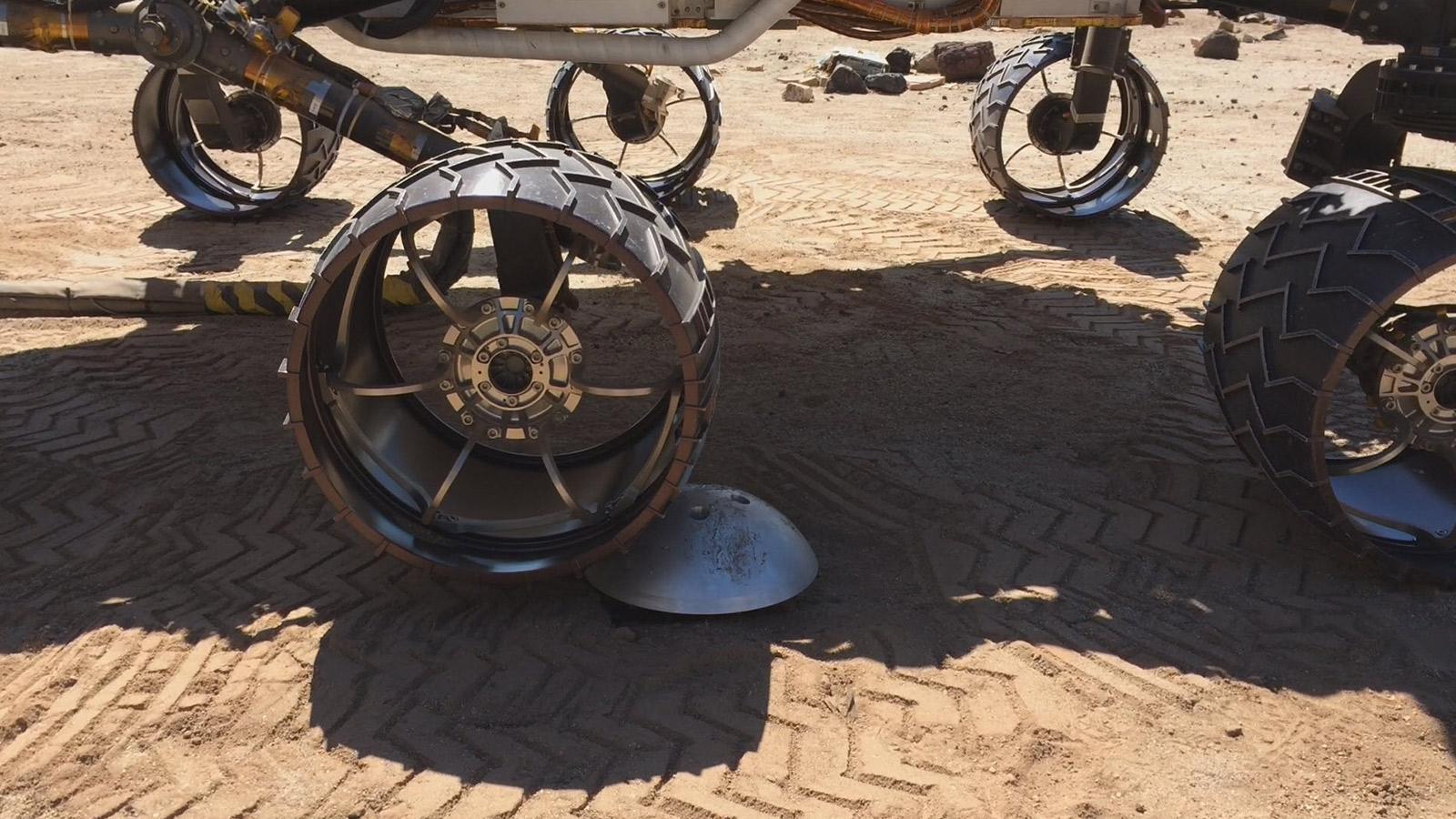 wide wheels mars rover - photo #14