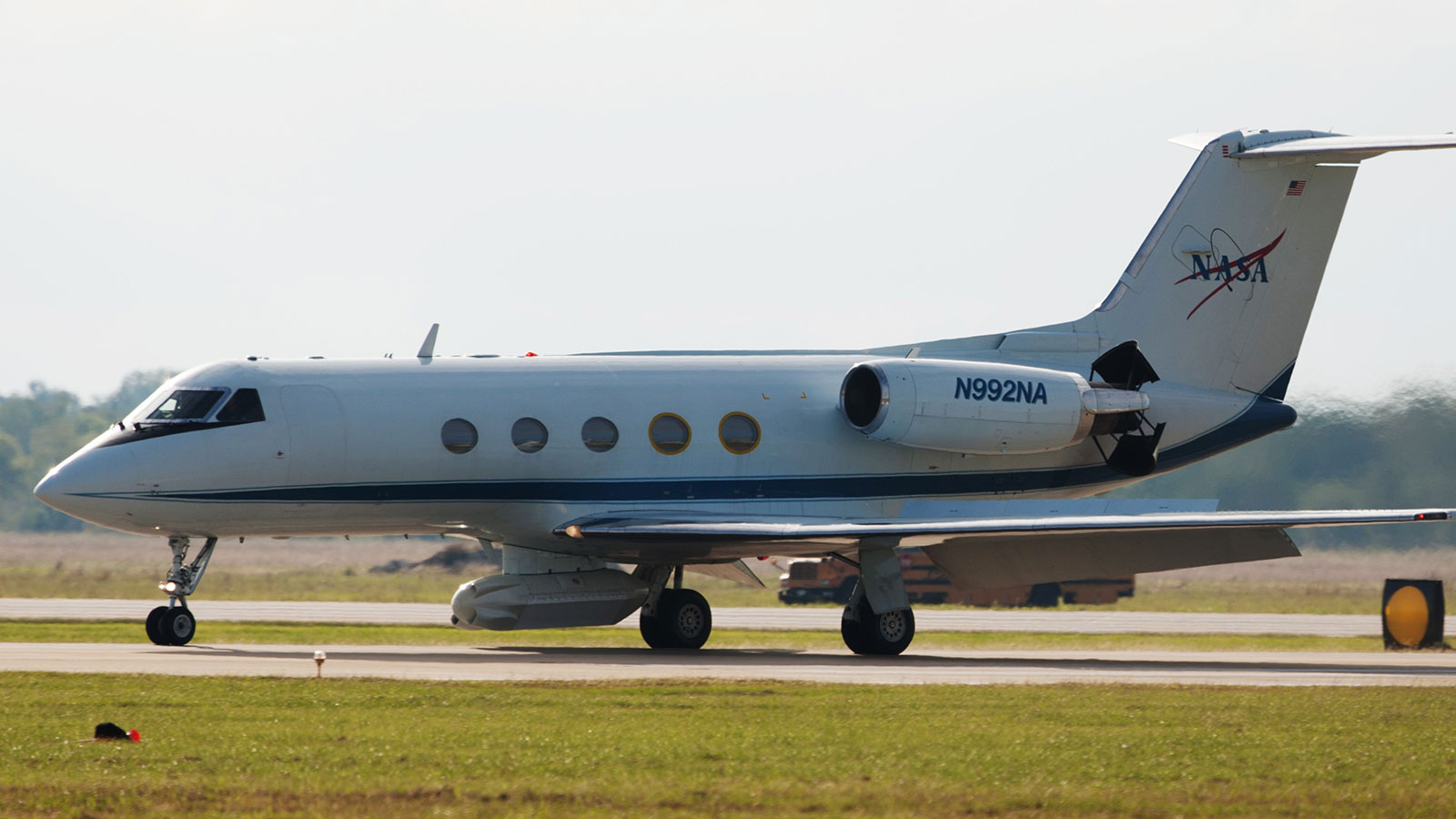 A Gulfstream III aircraft equipped with NASA's UAVSAR instrument