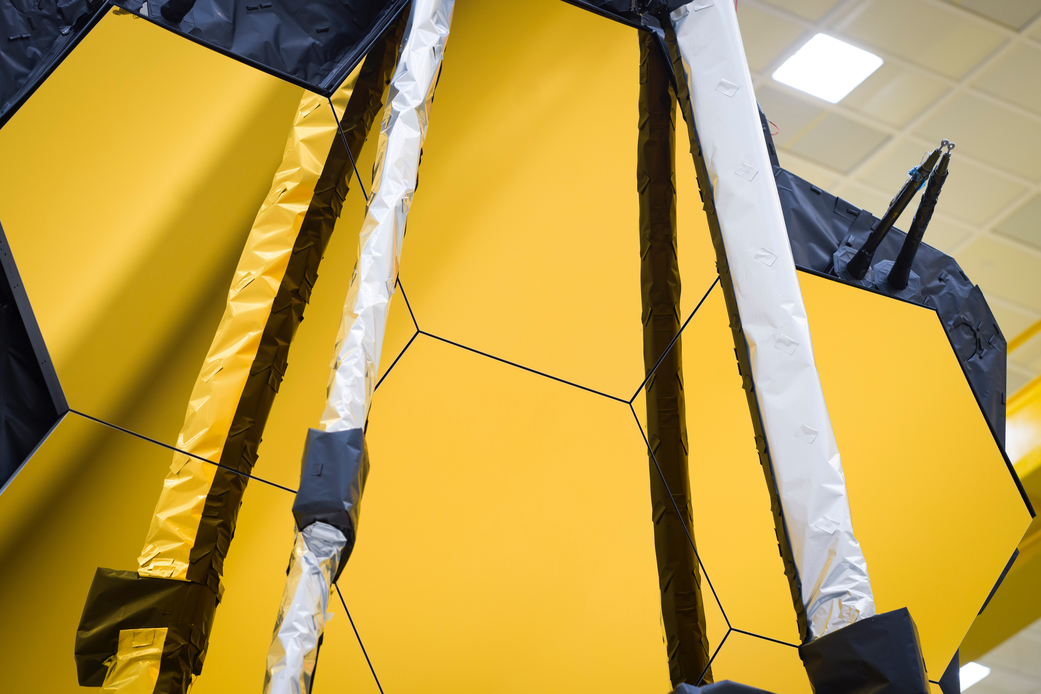 NASA's James Webb Space Telescope Completes Final Tests for Launch - NASA